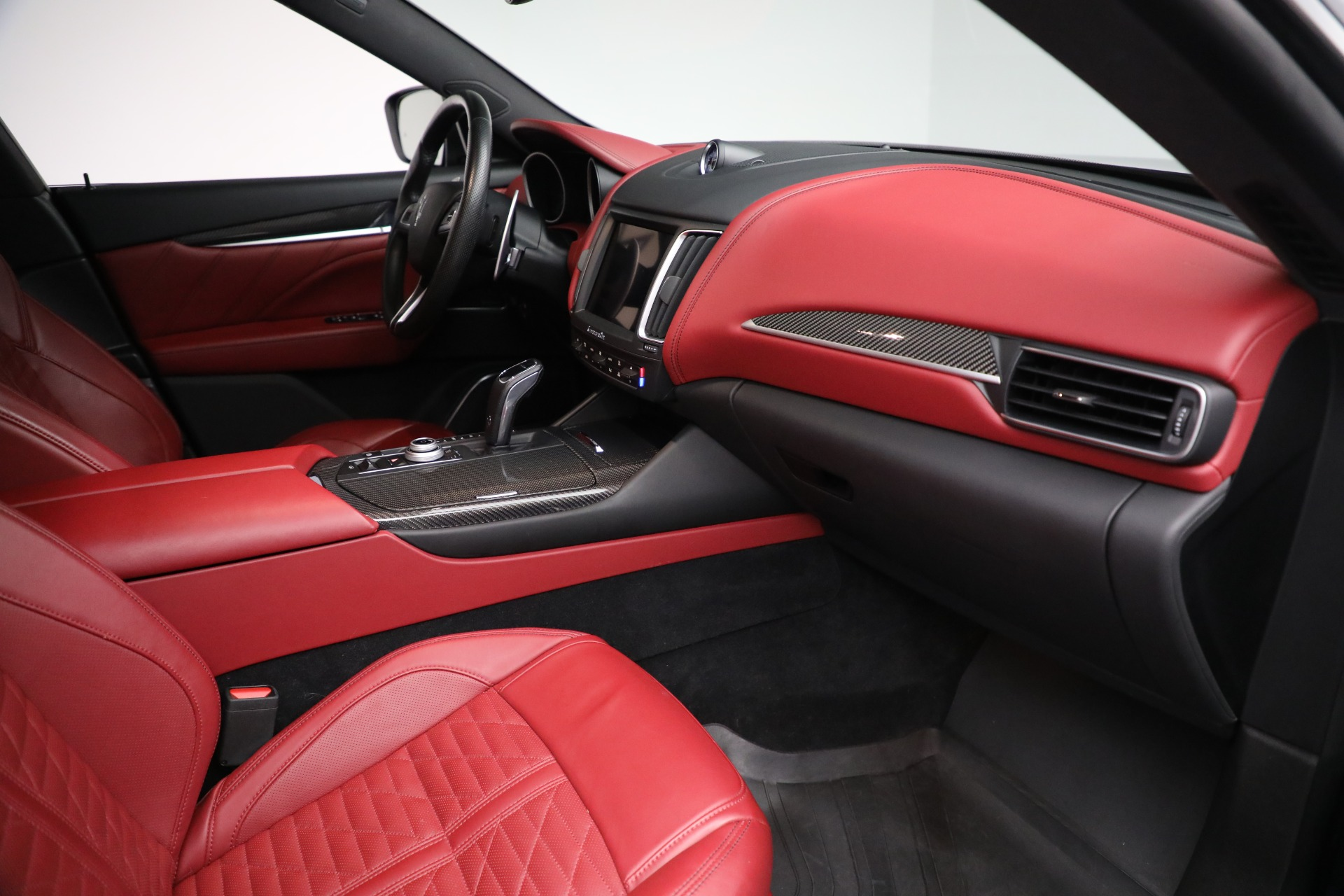 New 2019 Maserati Levante S Q4 GranSport For Sale In Greenwich, CT. Alfa Romeo of Greenwich, M2297 3143_p21