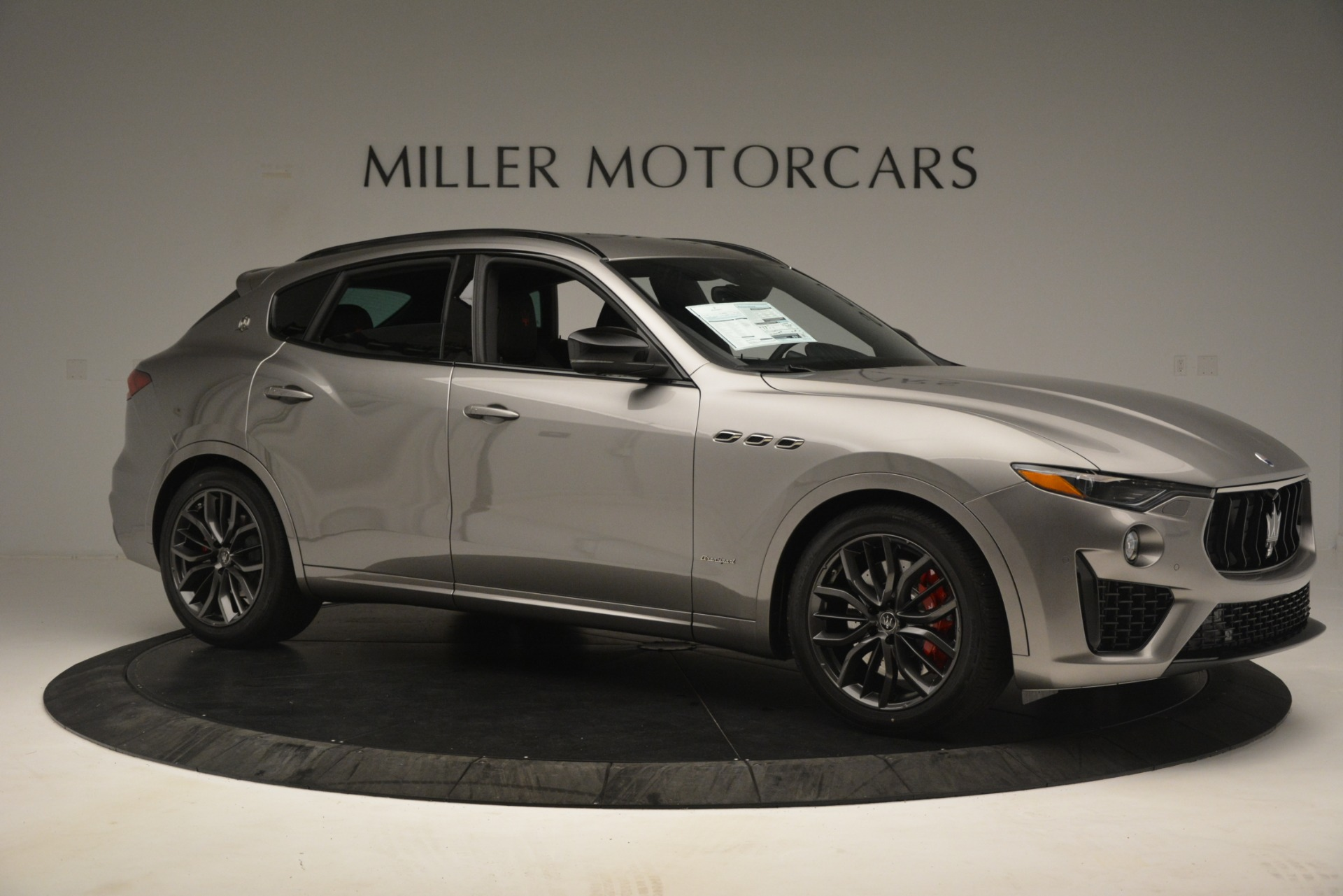 New 2019 Maserati Levante SQ4 GranSport Nerissimo For Sale In Greenwich, CT. Alfa Romeo of Greenwich, M2298 3144_p10