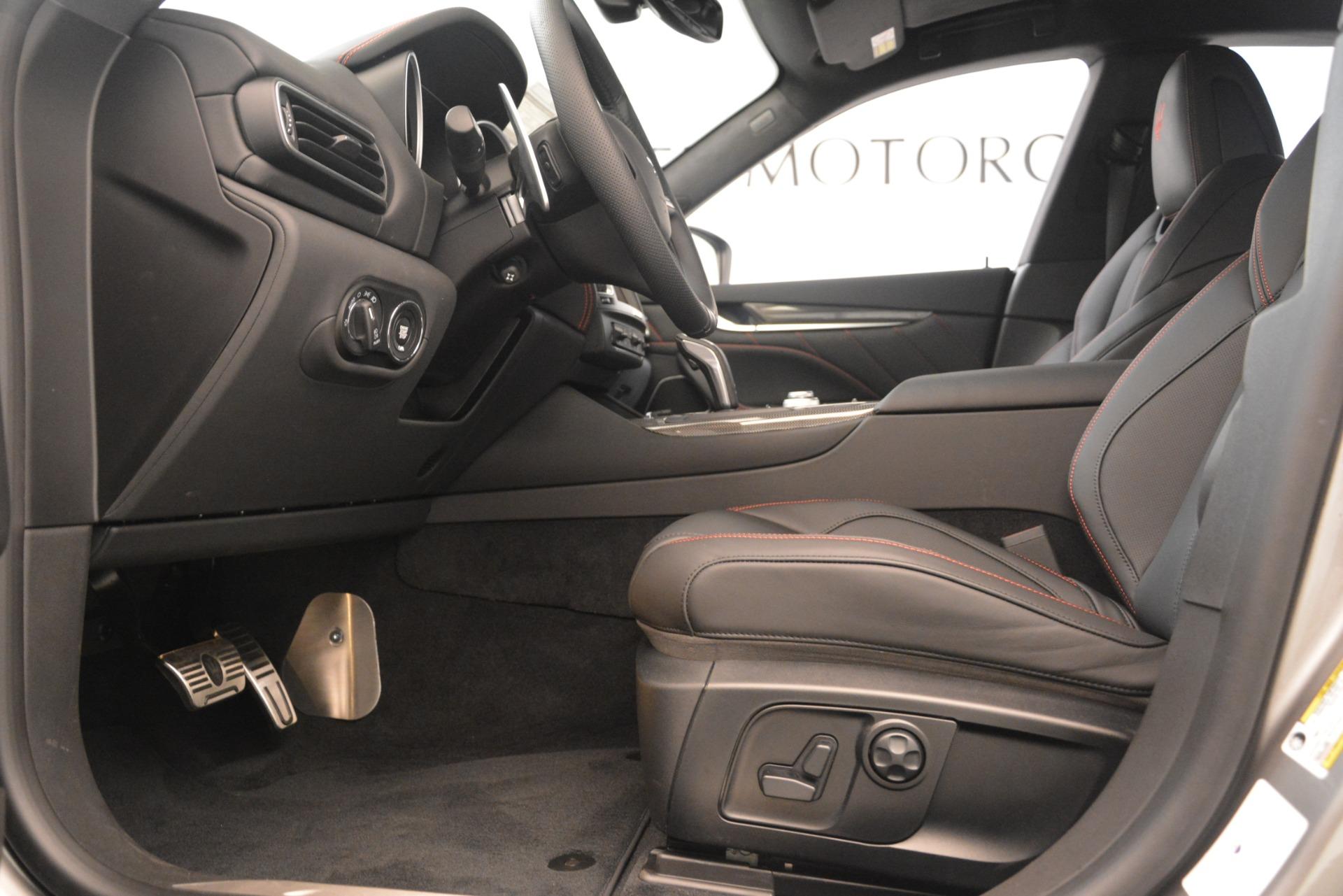 New 2019 Maserati Levante SQ4 GranSport Nerissimo For Sale In Greenwich, CT. Alfa Romeo of Greenwich, M2298 3144_p14