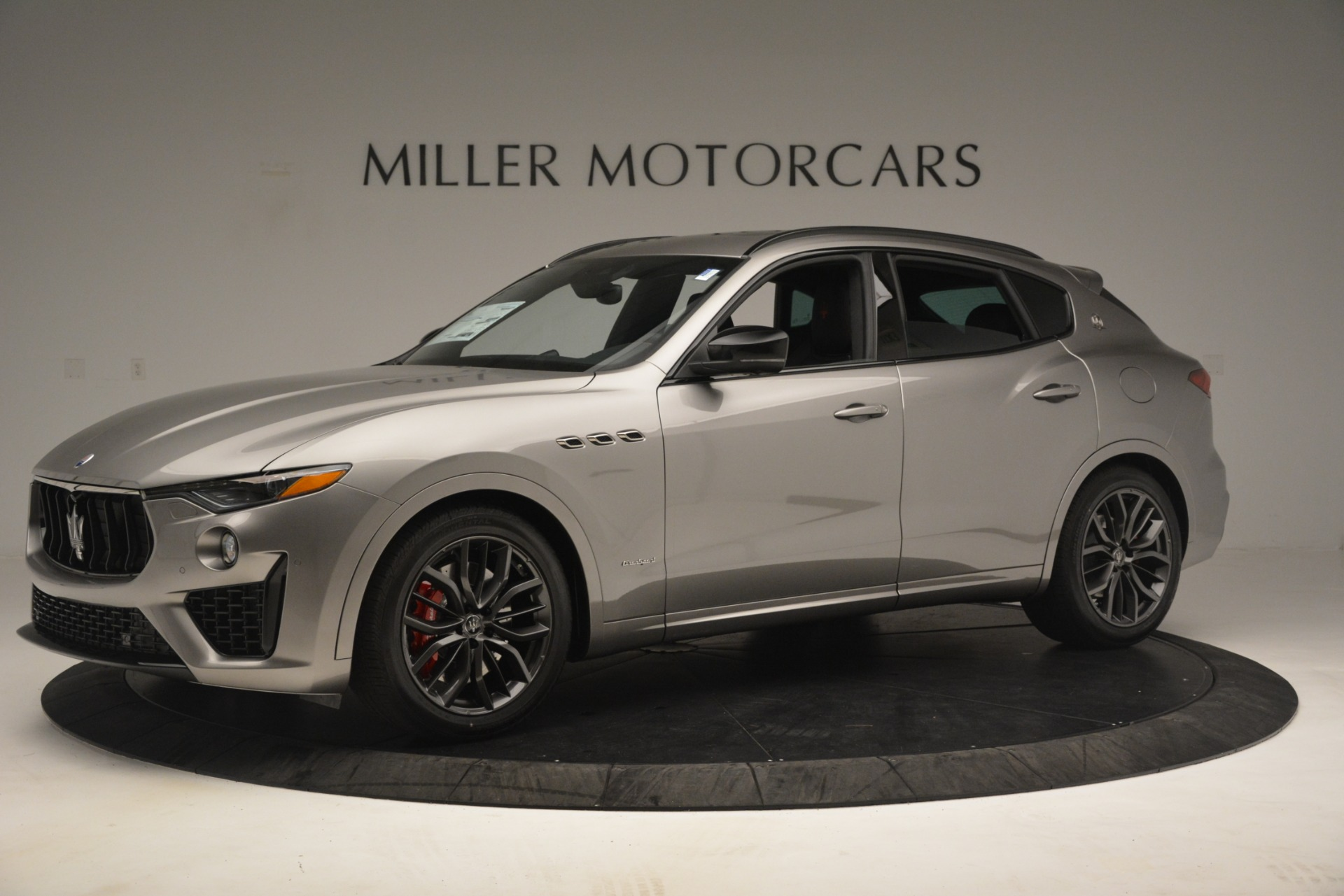 New 2019 Maserati Levante SQ4 GranSport Nerissimo For Sale In Greenwich, CT. Alfa Romeo of Greenwich, M2298 3144_p2