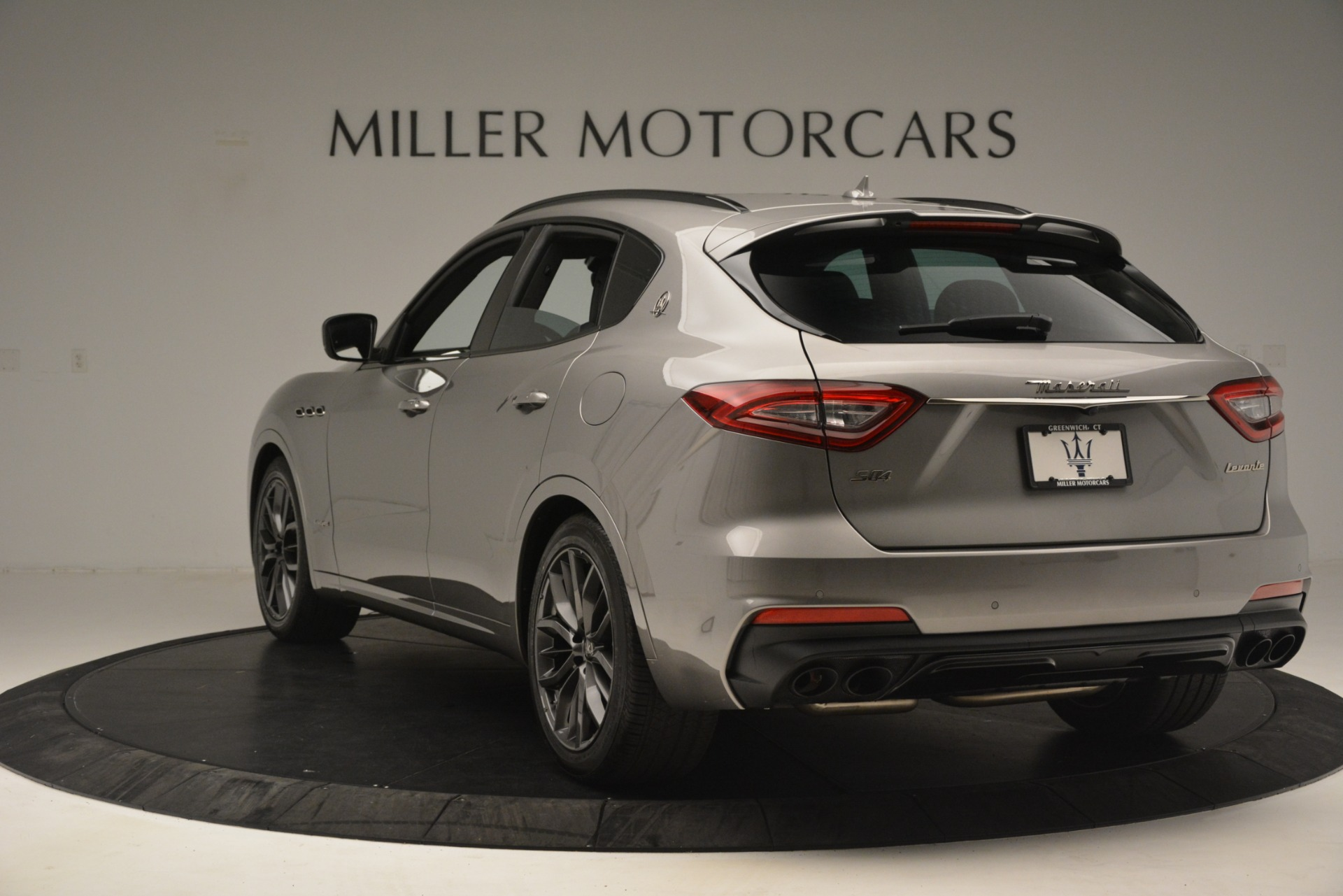 New 2019 Maserati Levante SQ4 GranSport Nerissimo For Sale In Greenwich, CT. Alfa Romeo of Greenwich, M2298 3144_p5