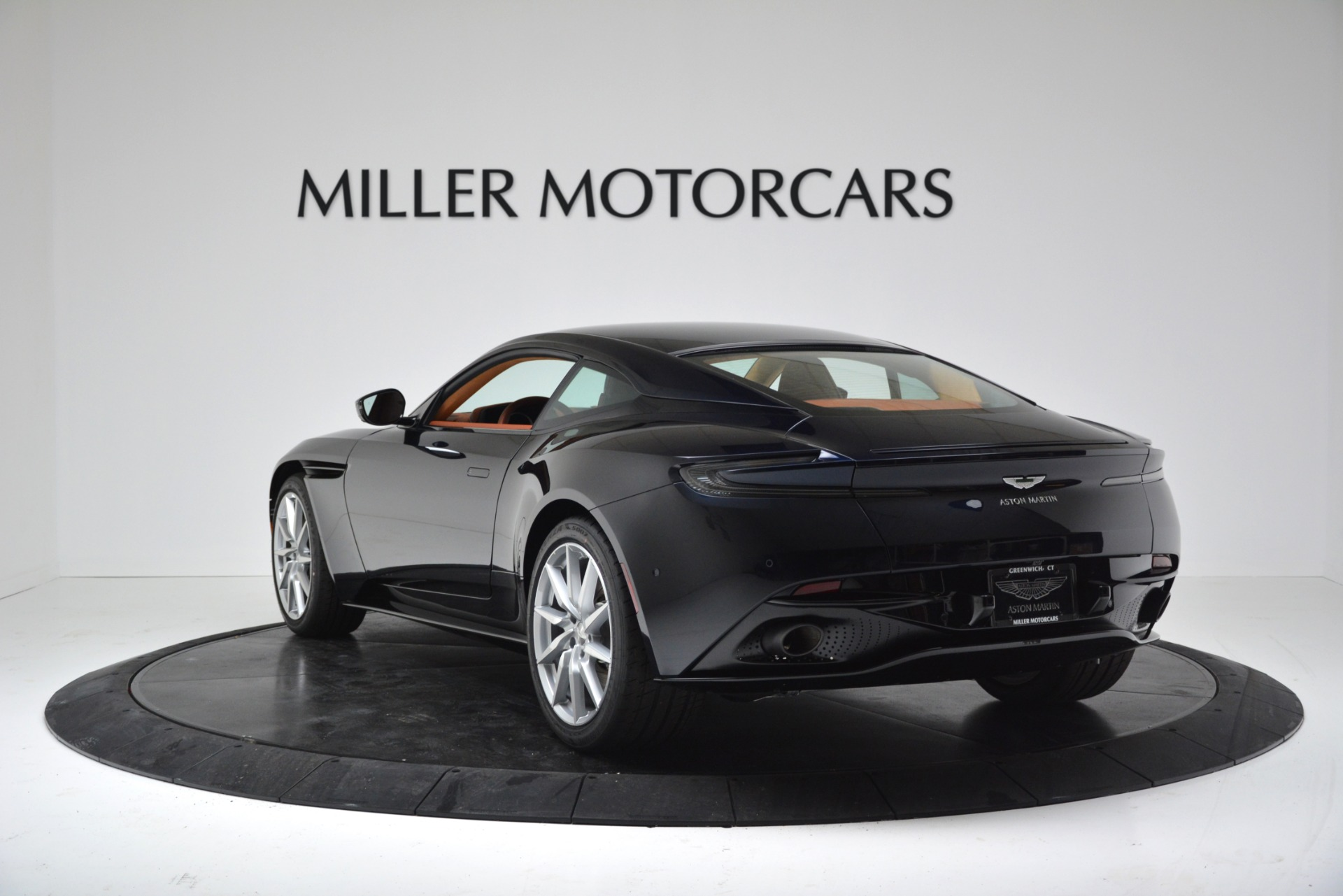 New 2019 Aston Martin DB11 V8 For Sale In Greenwich, CT. Alfa Romeo of Greenwich, A1367 3145_p5