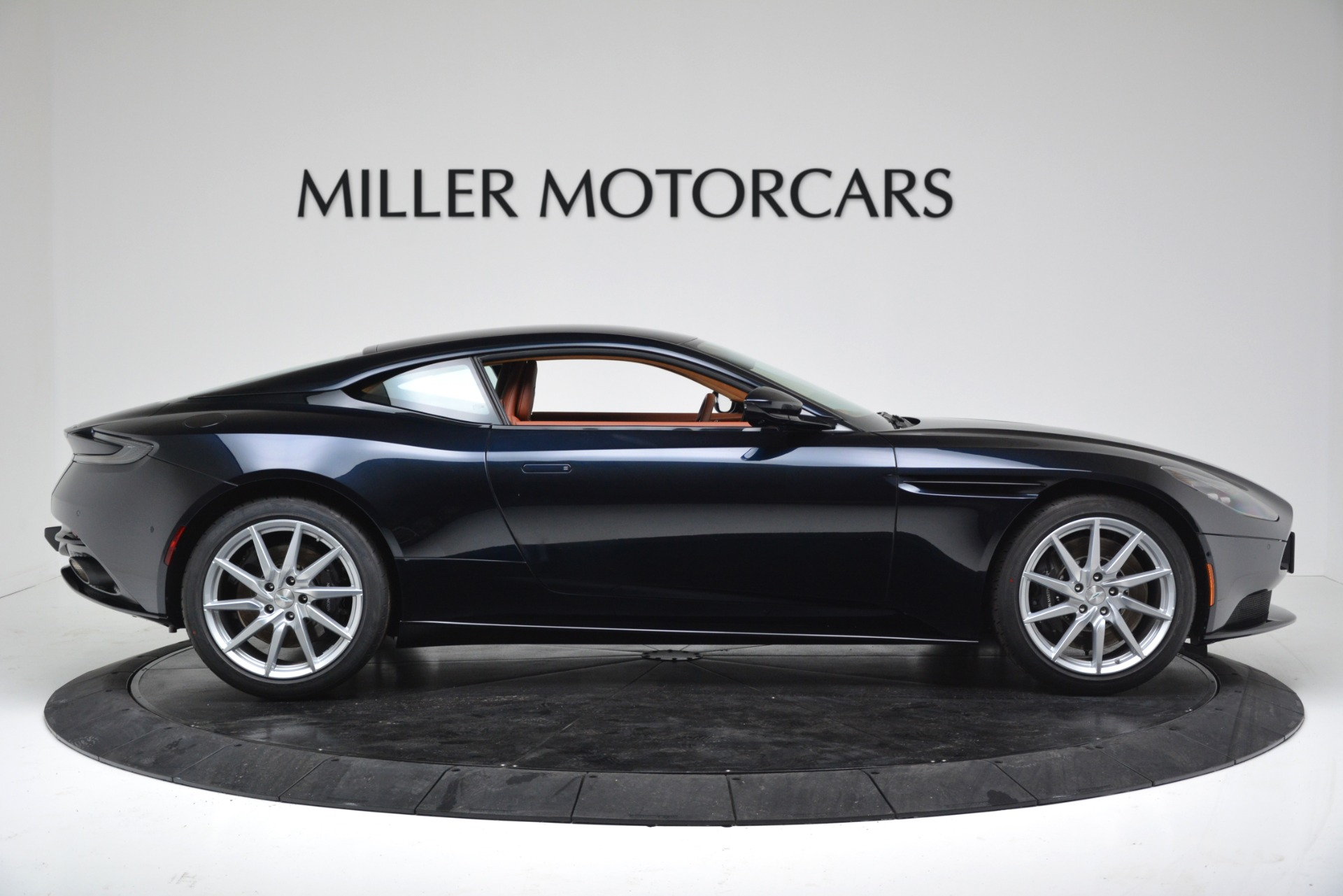 New 2019 Aston Martin DB11 V8 For Sale In Greenwich, CT. Alfa Romeo of Greenwich, A1367 3145_p9