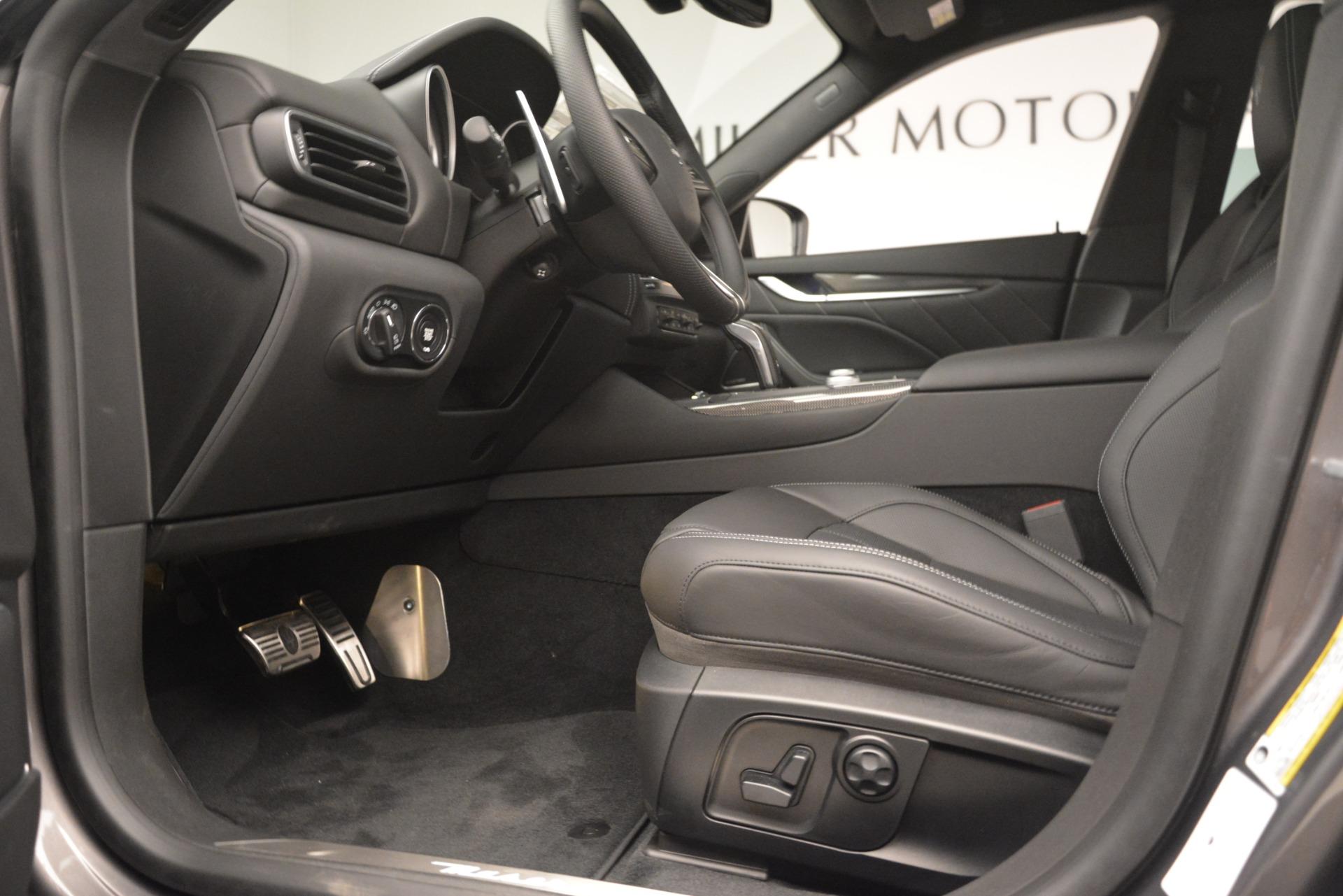 New 2019 Maserati Levante SQ4 GranSport Nerissimo For Sale In Greenwich, CT. Alfa Romeo of Greenwich, M2304 3146_p14