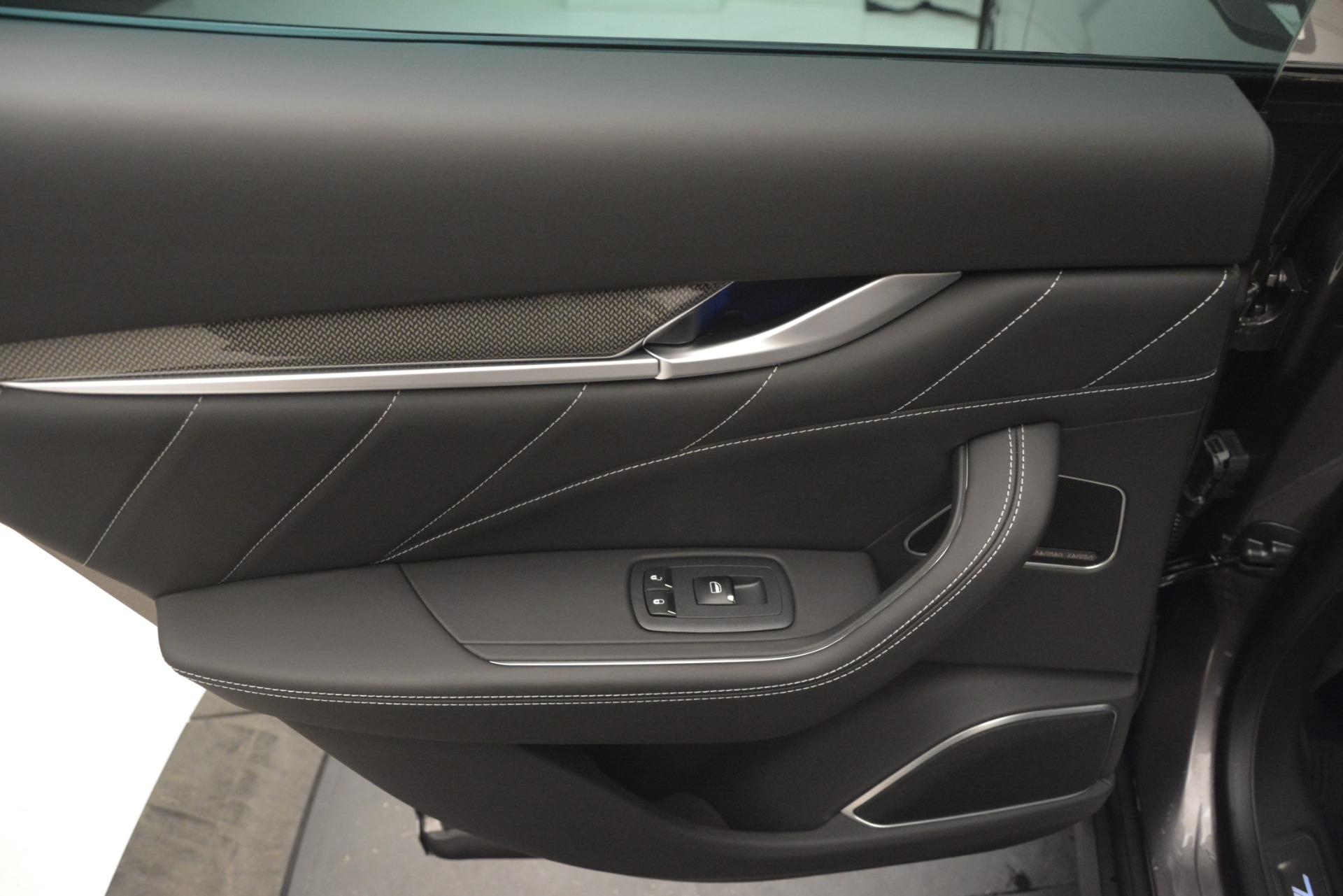 New 2019 Maserati Levante SQ4 GranSport Nerissimo For Sale In Greenwich, CT. Alfa Romeo of Greenwich, M2304 3146_p21