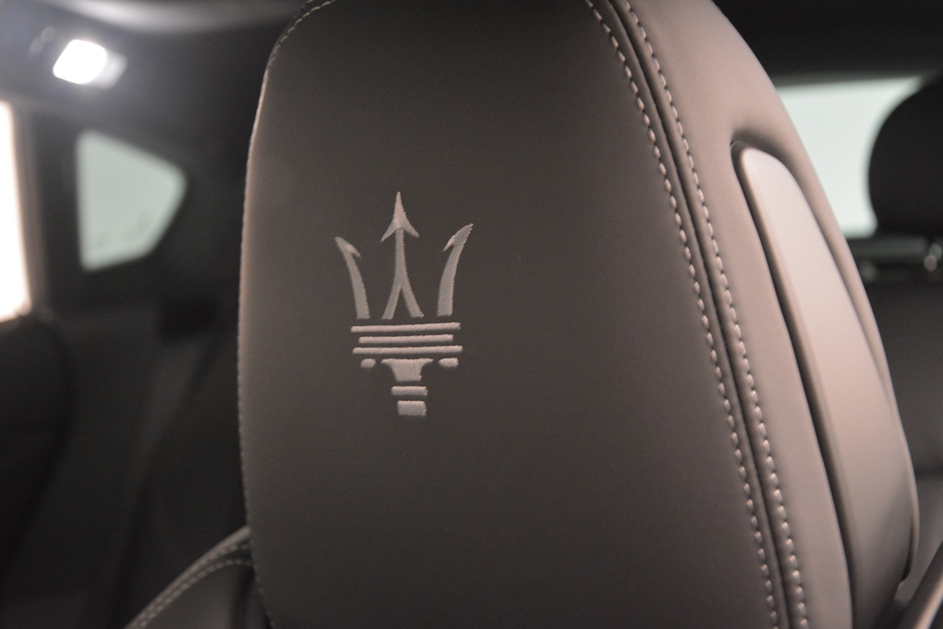 New 2019 Maserati Levante SQ4 GranSport Nerissimo For Sale In Greenwich, CT. Alfa Romeo of Greenwich, M2304 3146_p29