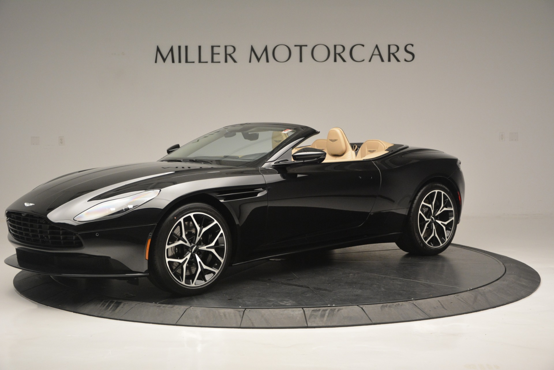 New 2019 Aston Martin DB11 V8 Convertible For Sale In Greenwich, CT. Alfa Romeo of Greenwich, A1314 3148_main
