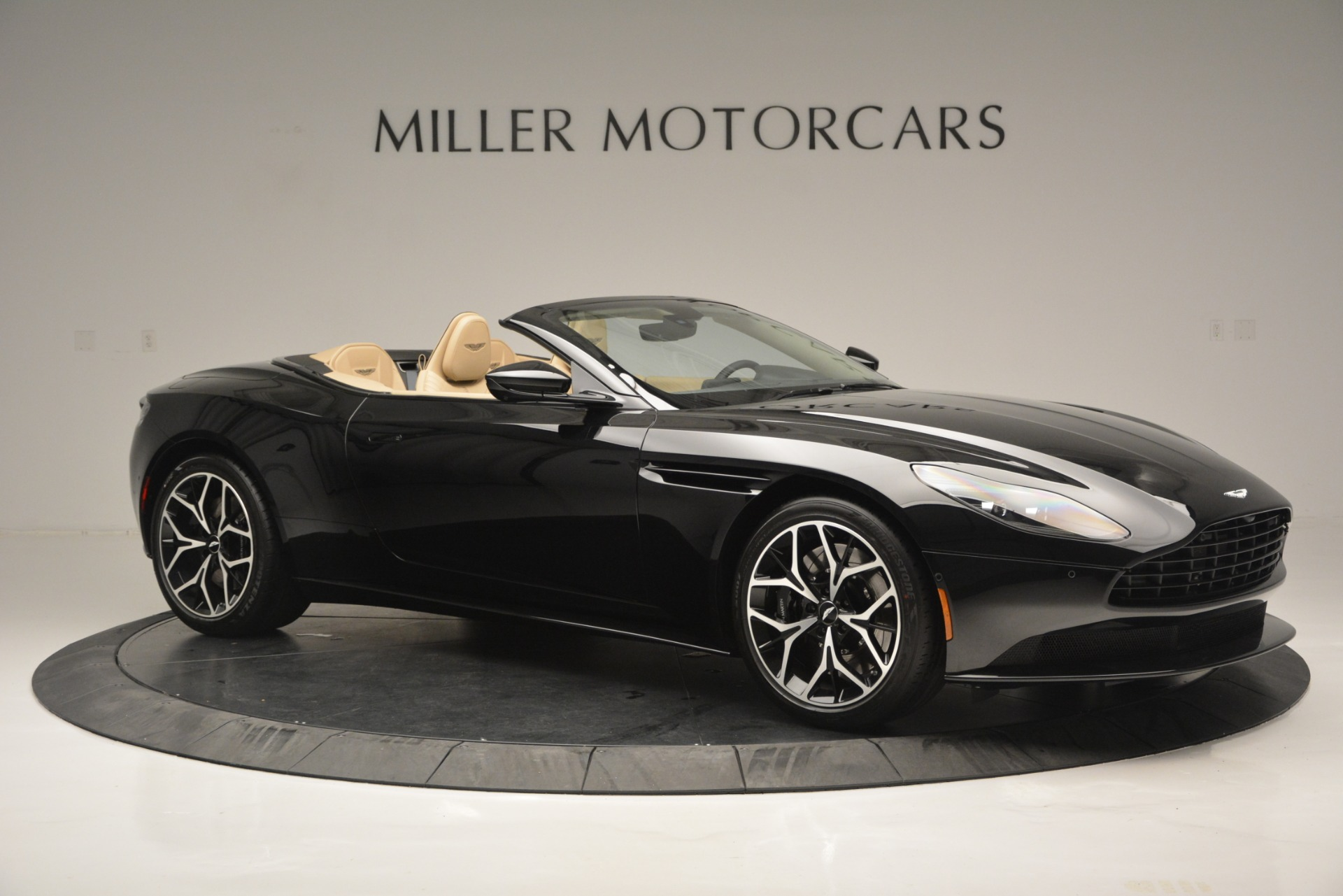 New 2019 Aston Martin DB11 V8 Convertible For Sale In Greenwich, CT. Alfa Romeo of Greenwich, A1314 3148_p10