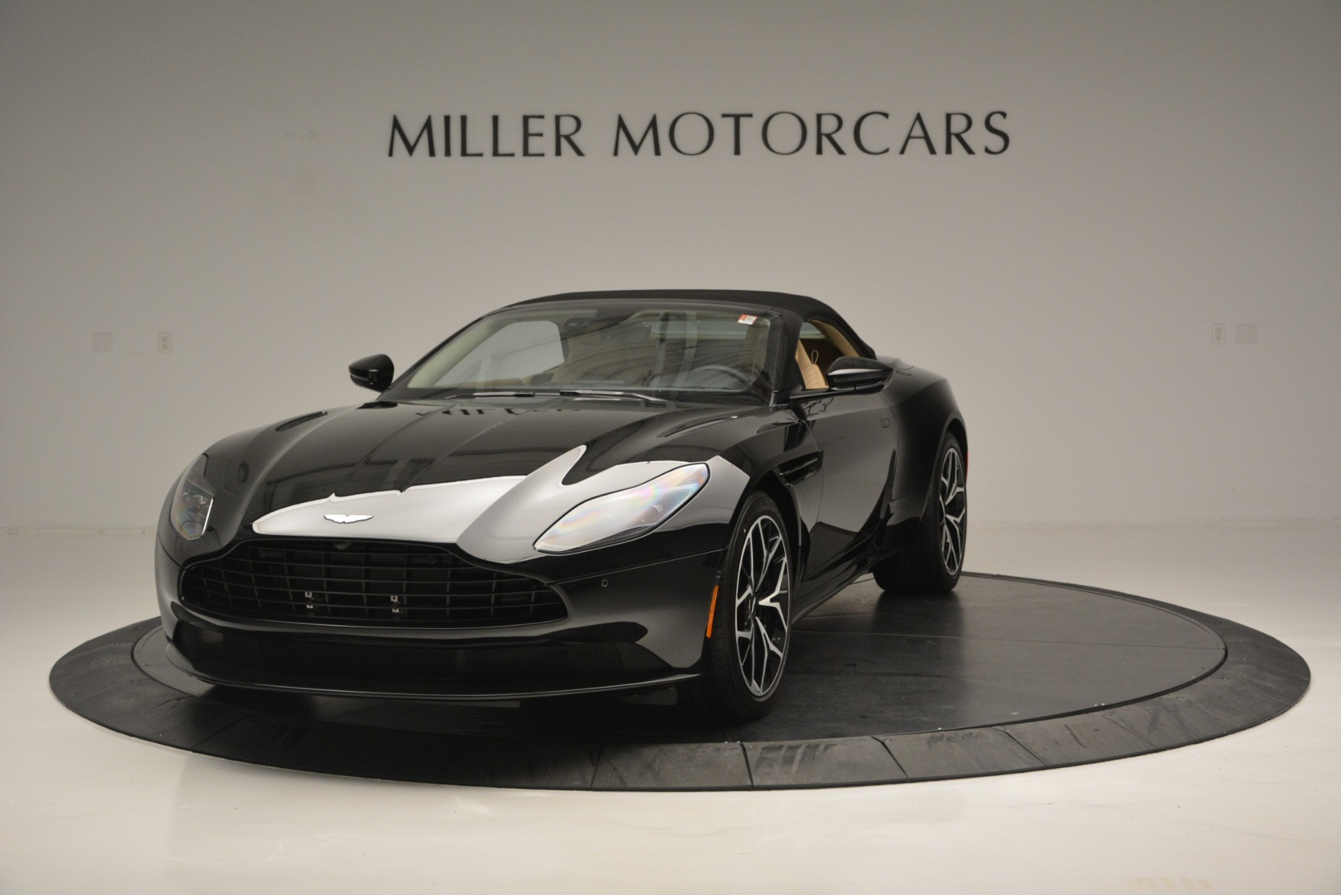 New 2019 Aston Martin DB11 V8 Convertible For Sale In Greenwich, CT. Alfa Romeo of Greenwich, A1314 3148_p13