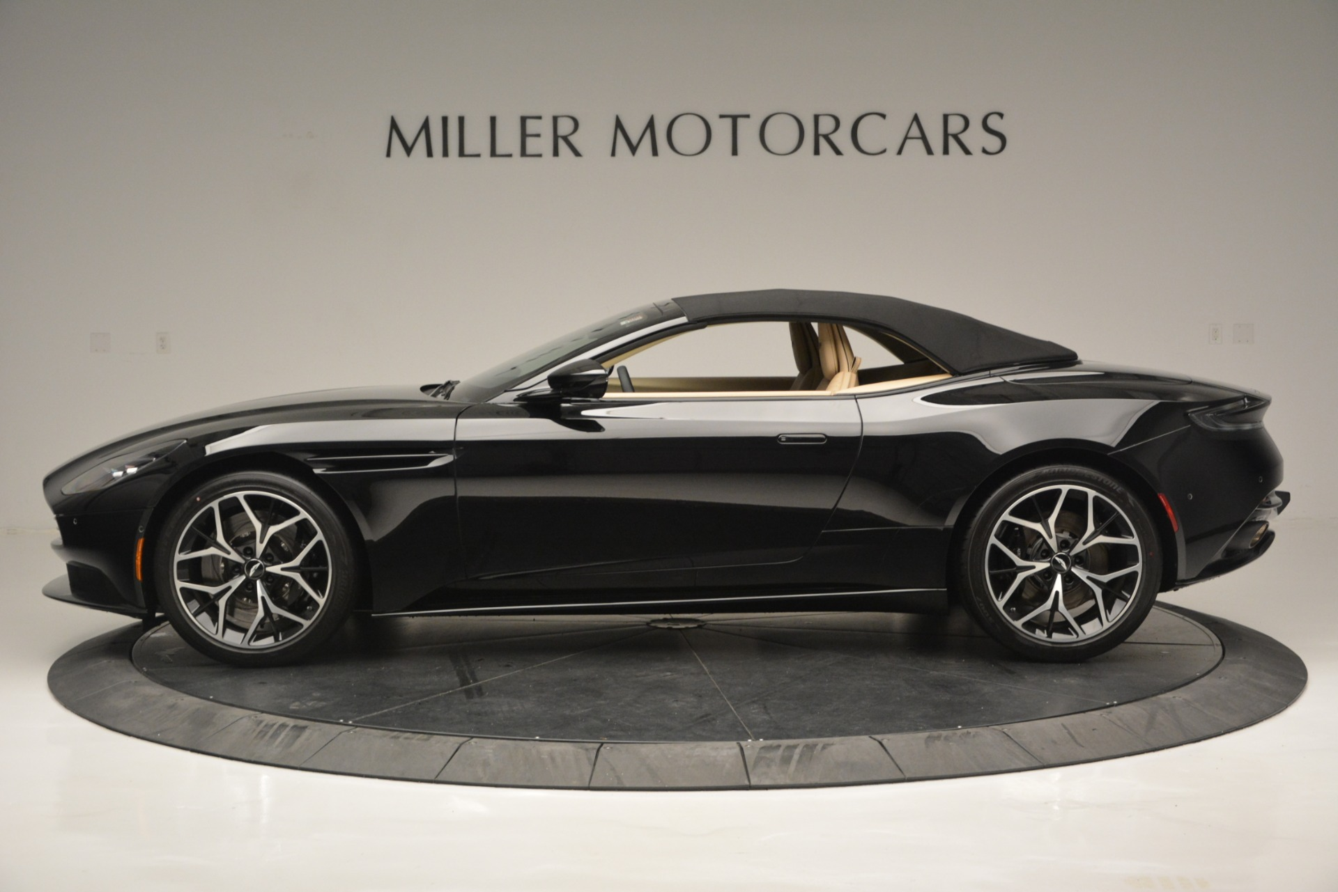 New 2019 Aston Martin DB11 V8 Convertible For Sale In Greenwich, CT. Alfa Romeo of Greenwich, A1314 3148_p15