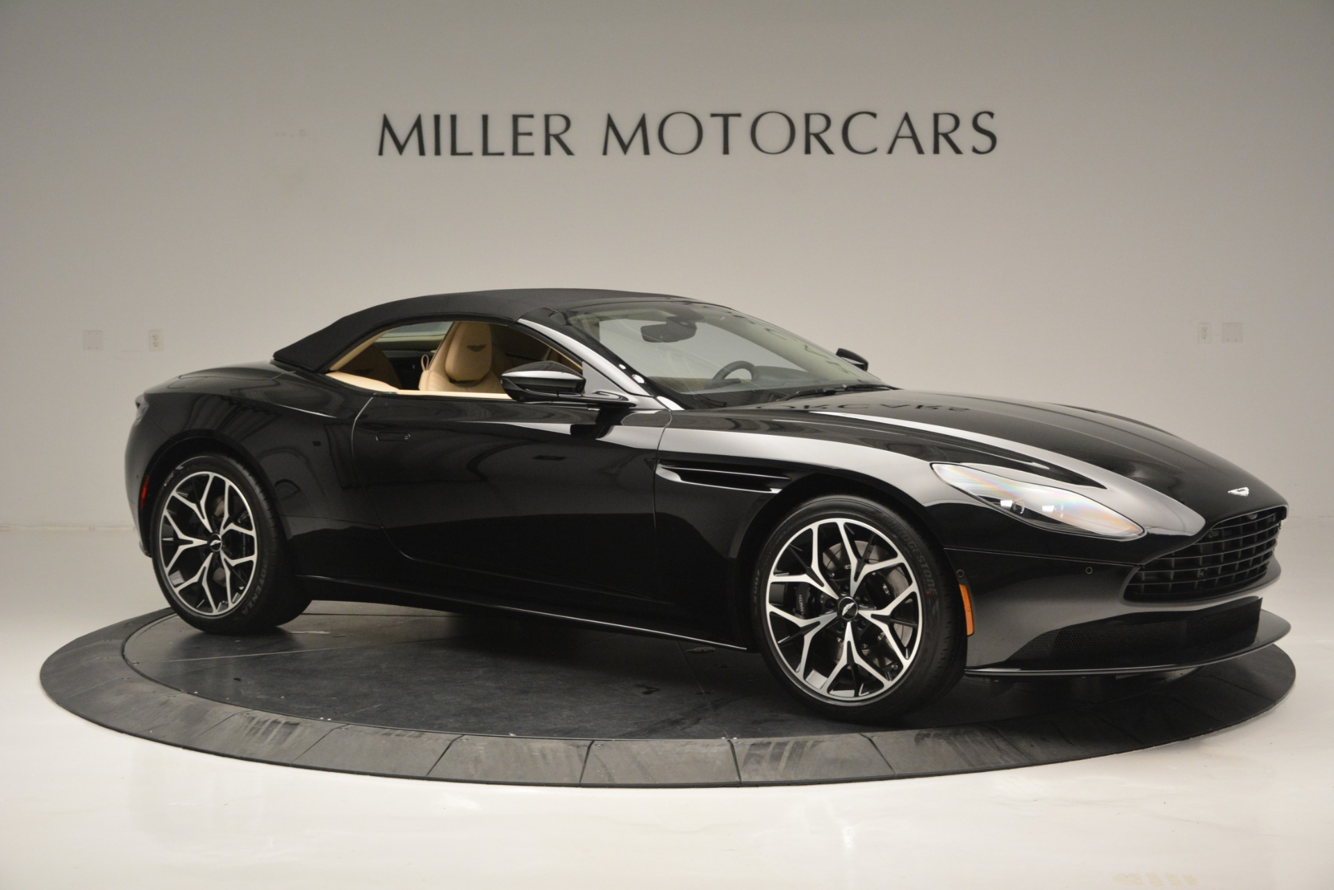 New 2019 Aston Martin DB11 V8 Convertible For Sale In Greenwich, CT. Alfa Romeo of Greenwich, A1314 3148_p17