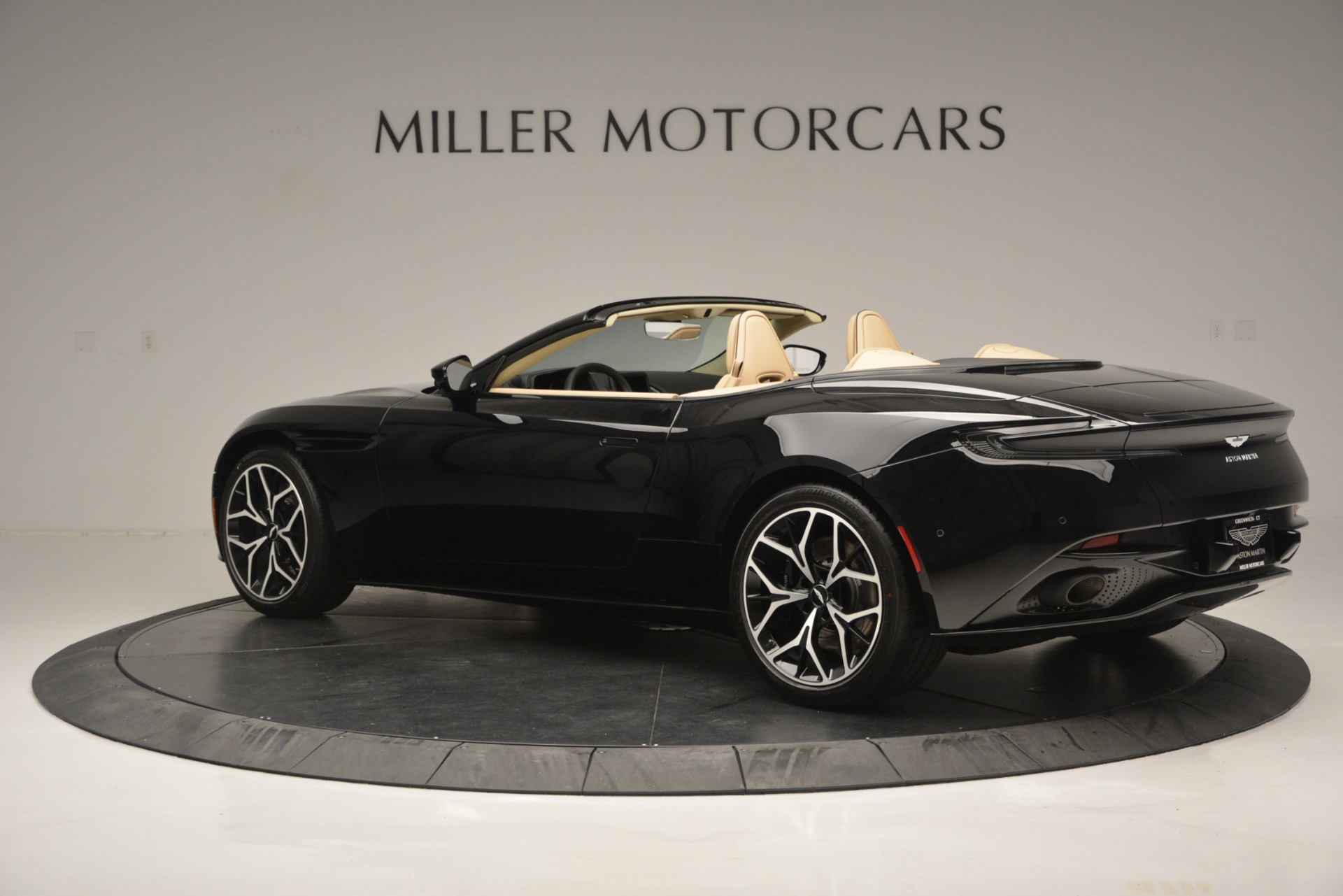 New 2019 Aston Martin DB11 V8 Convertible For Sale In Greenwich, CT. Alfa Romeo of Greenwich, A1314 3148_p4