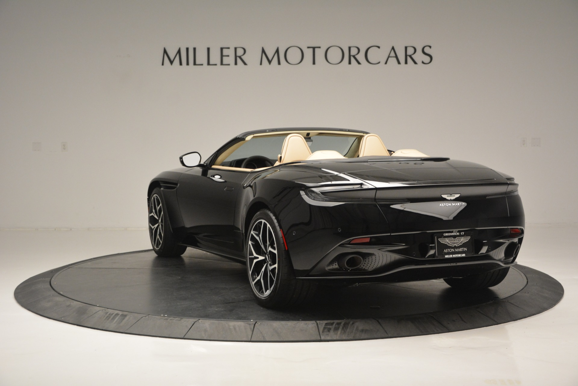 New 2019 Aston Martin DB11 V8 Convertible For Sale In Greenwich, CT. Alfa Romeo of Greenwich, A1314 3148_p5