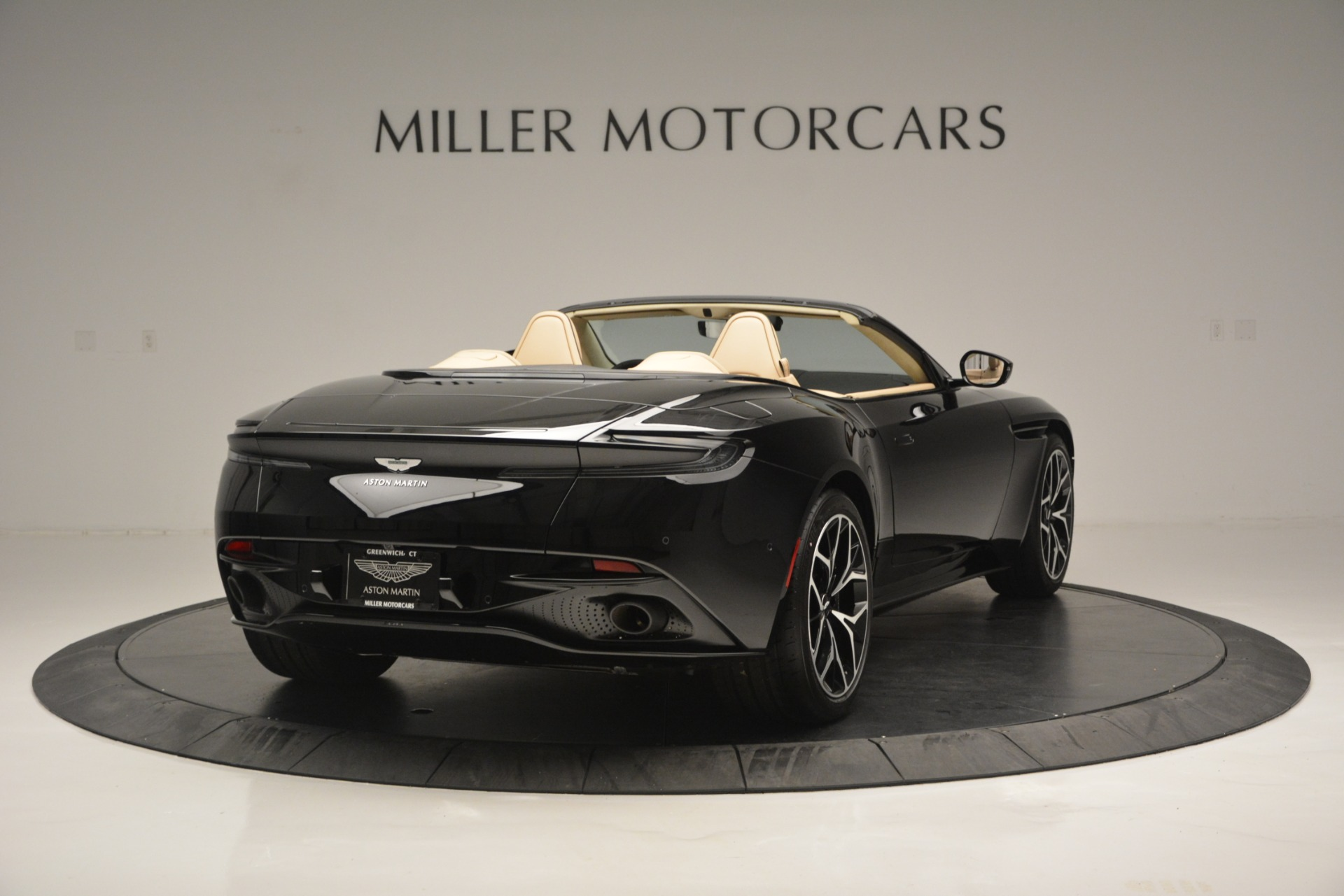 New 2019 Aston Martin DB11 V8 Convertible For Sale In Greenwich, CT. Alfa Romeo of Greenwich, A1314 3148_p7