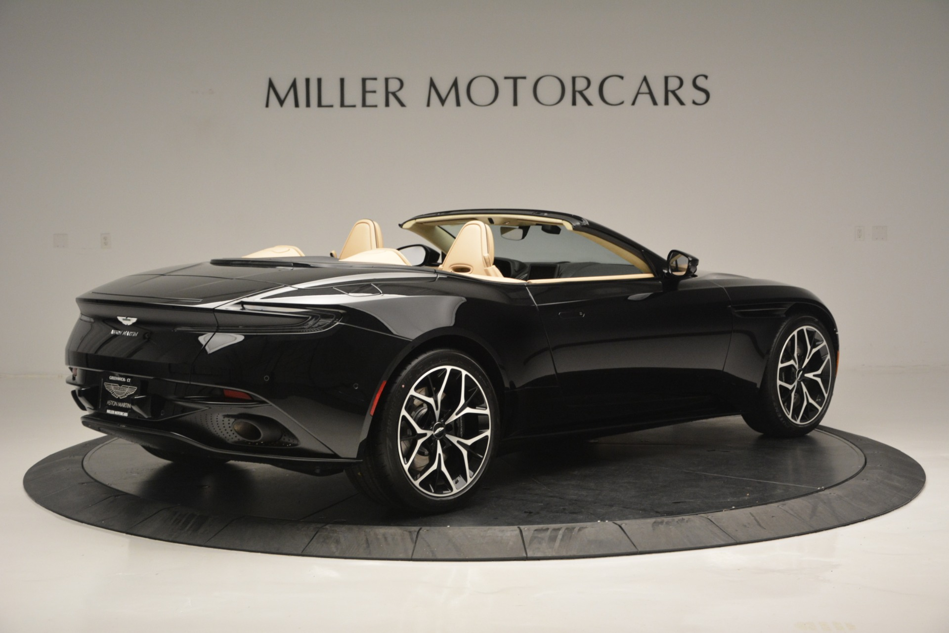 New 2019 Aston Martin DB11 V8 Convertible For Sale In Greenwich, CT. Alfa Romeo of Greenwich, A1314 3148_p8