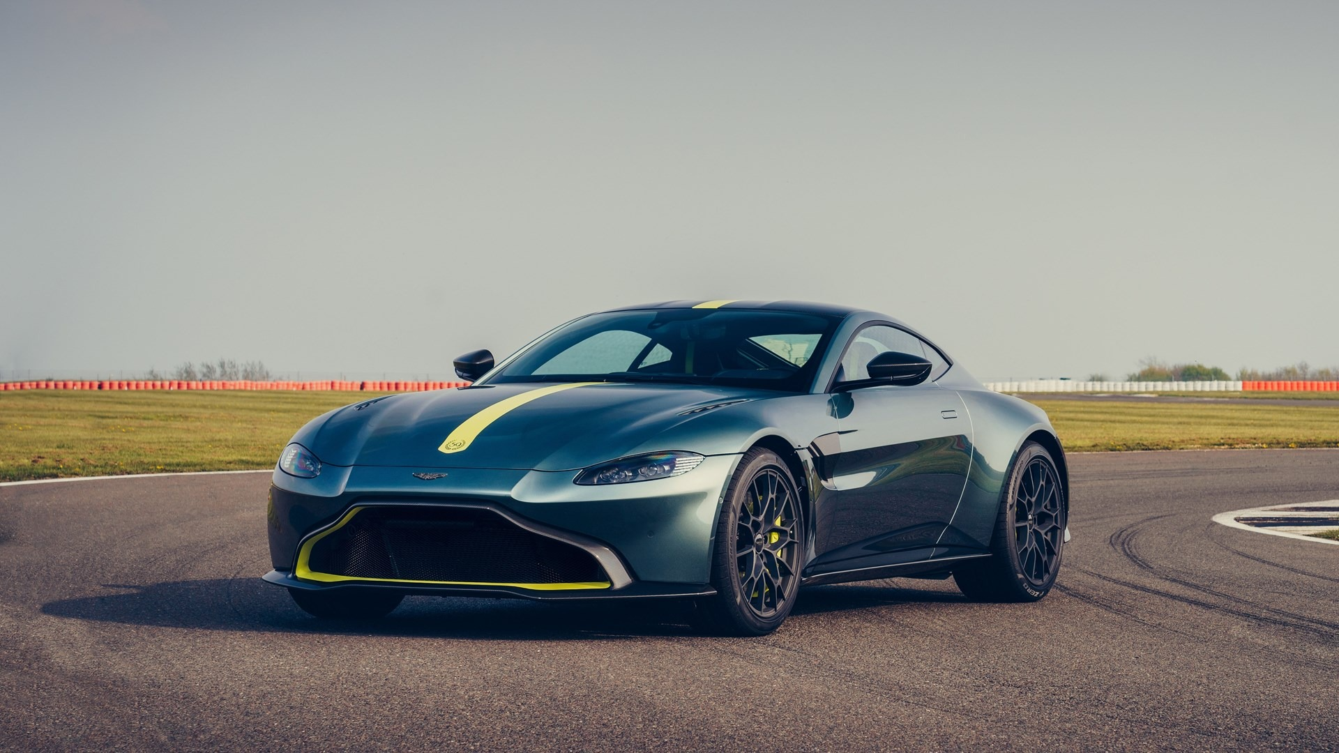 New 2020 Aston Martin Vantage AMR Coupe For Sale In Greenwich, CT. Alfa Romeo of Greenwich, VAMR 3158_p2