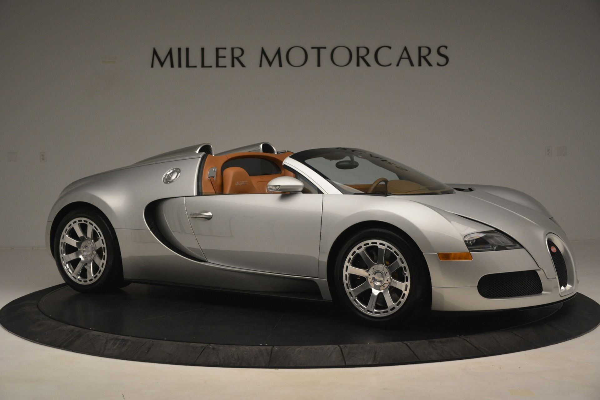 Used 2010 Bugatti Veyron 16.4 Grand Sport For Sale In Greenwich, CT. Alfa Romeo of Greenwich, G149 3159_p11