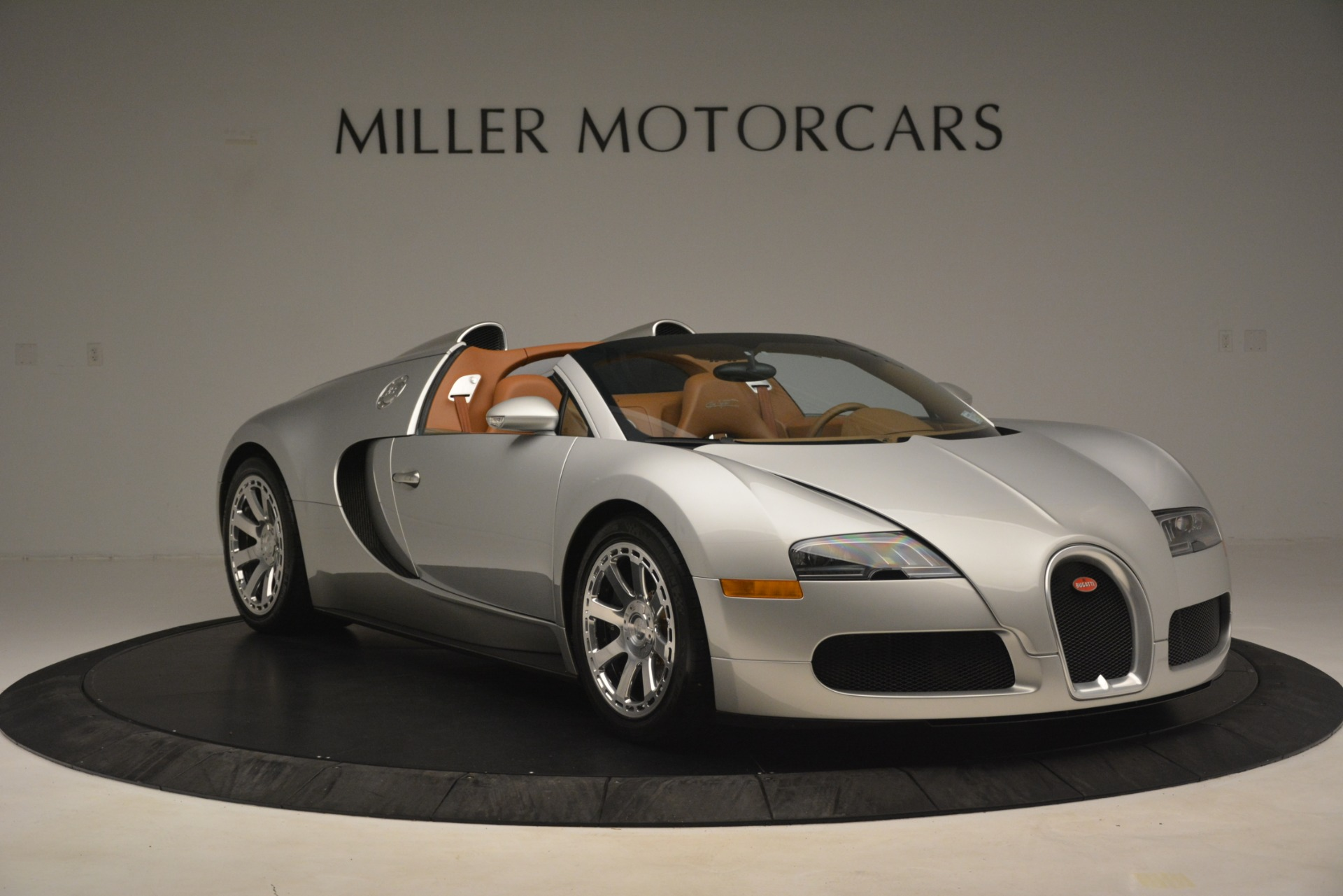 Used 2010 Bugatti Veyron 16.4 Grand Sport For Sale In Greenwich, CT. Alfa Romeo of Greenwich, G149 3159_p12