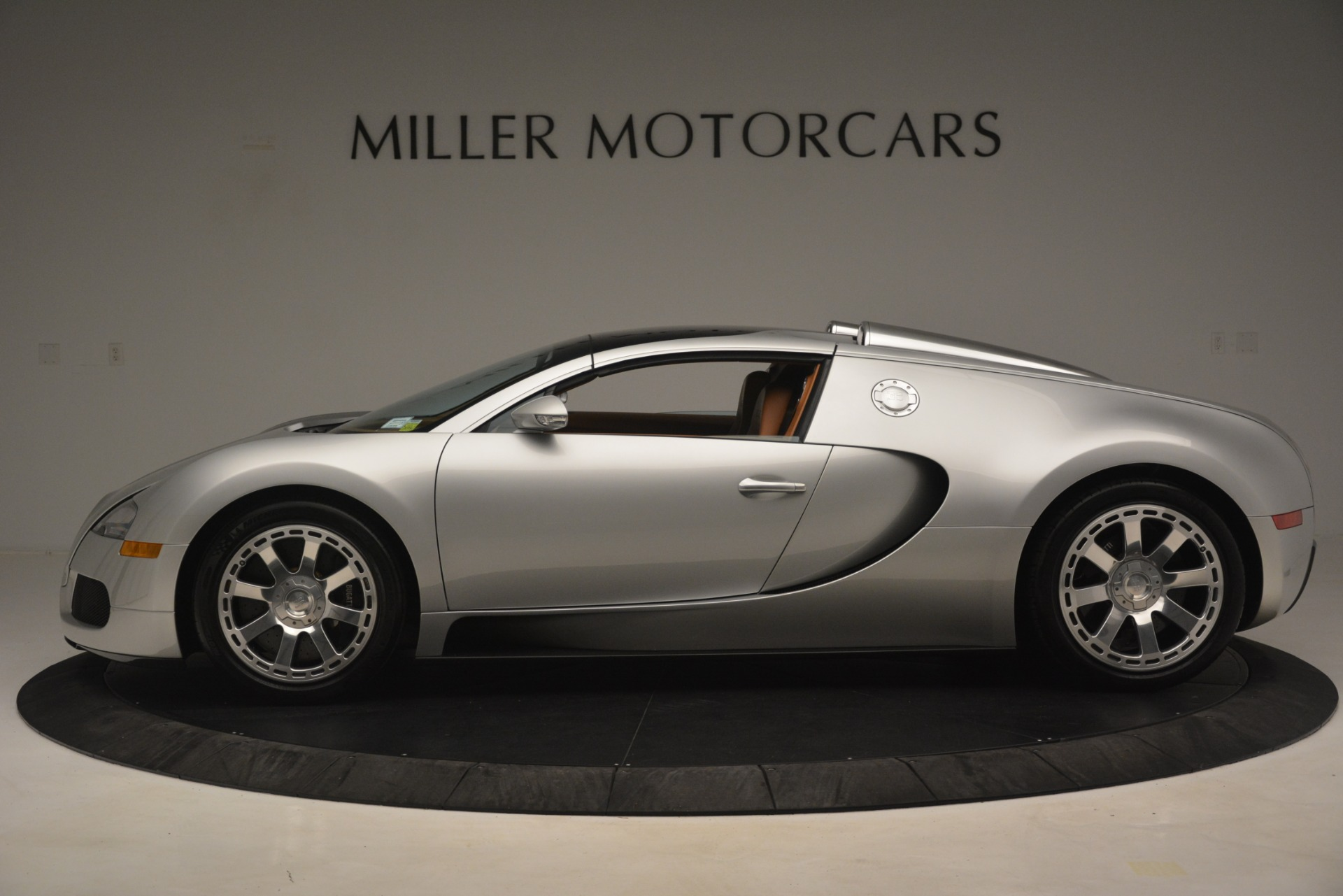 Used 2010 Bugatti Veyron 16.4 Grand Sport For Sale In Greenwich, CT. Alfa Romeo of Greenwich, G149 3159_p14