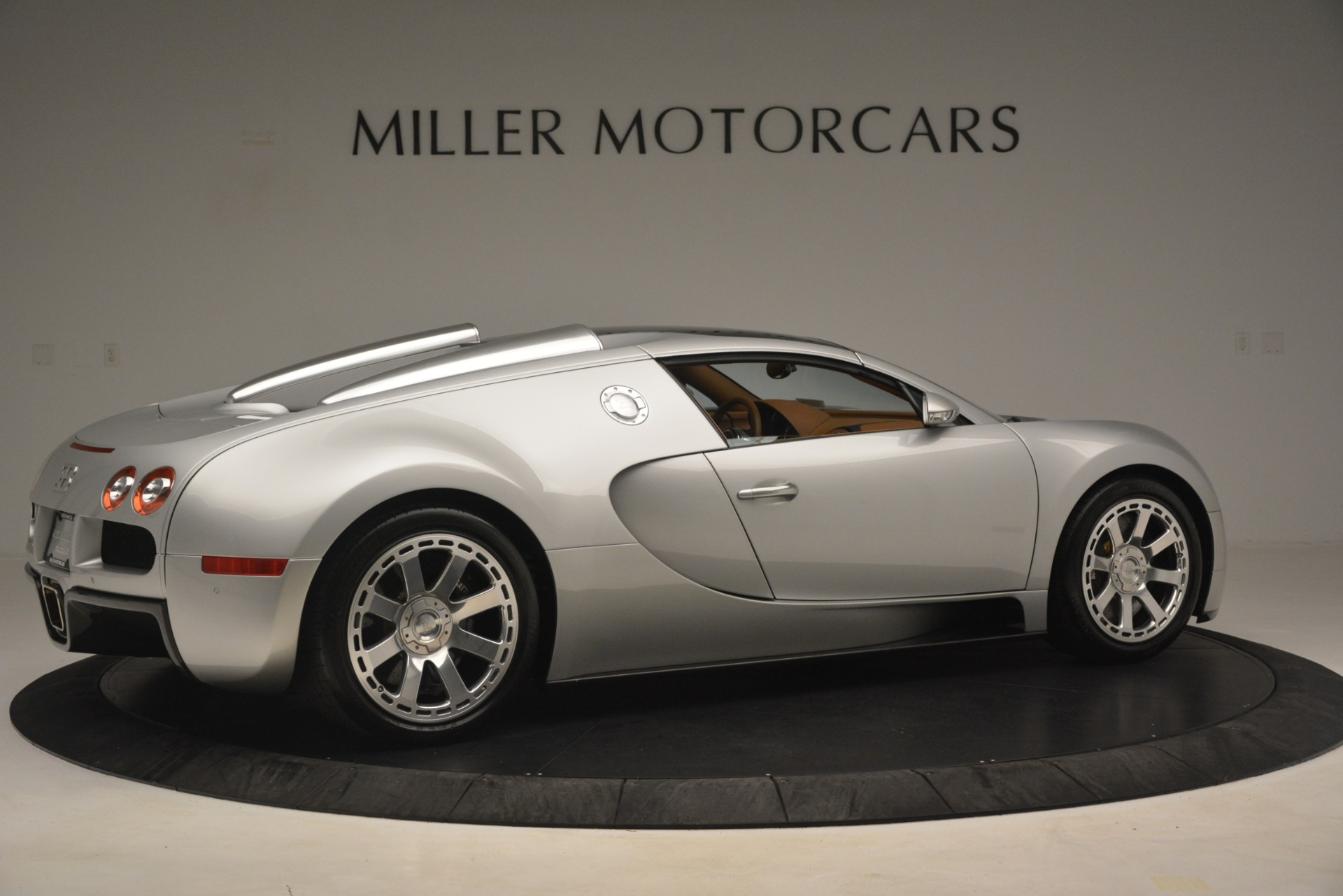 Used 2010 Bugatti Veyron 16.4 Grand Sport For Sale In Greenwich, CT. Alfa Romeo of Greenwich, G149 3159_p18