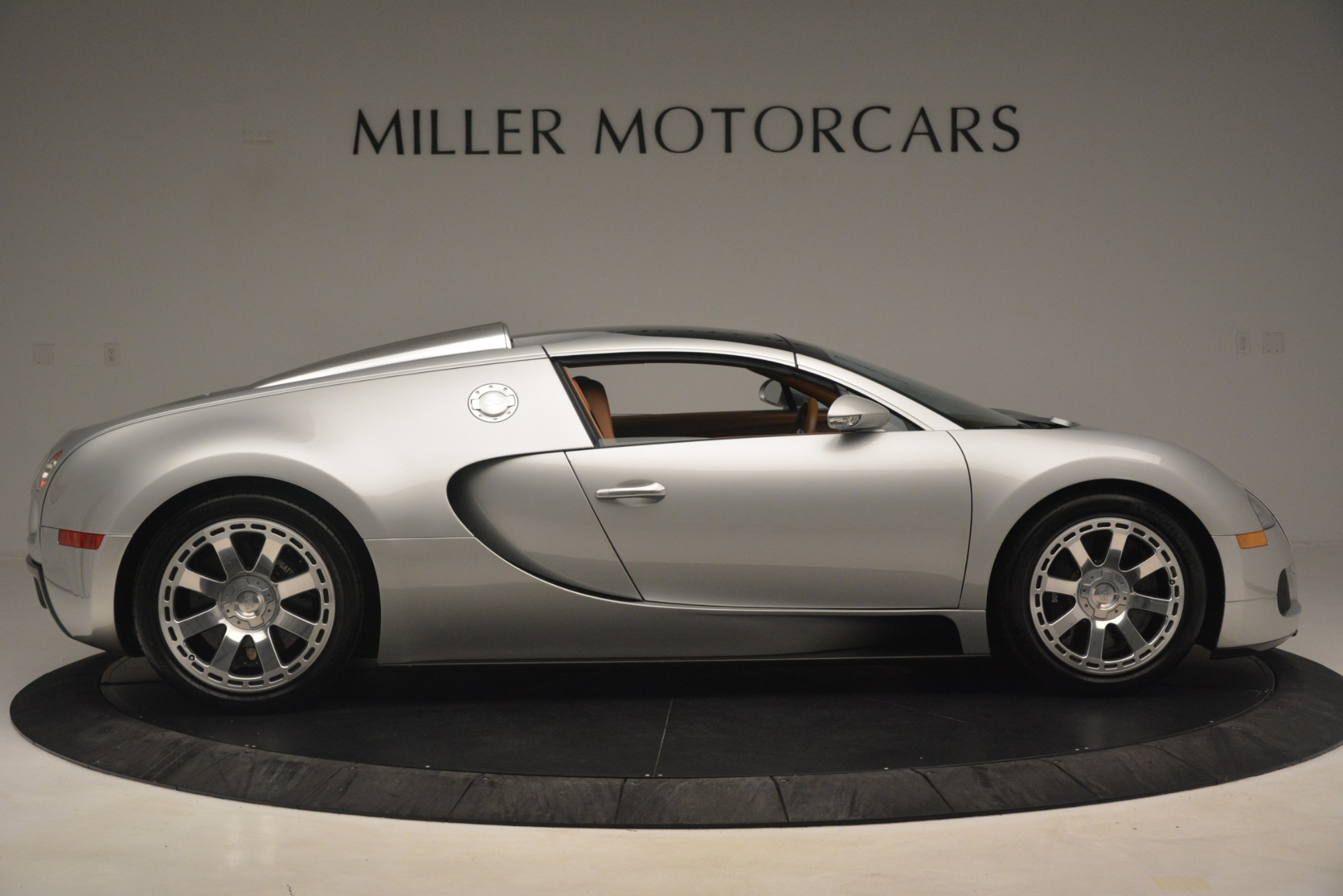 Used 2010 Bugatti Veyron 16.4 Grand Sport For Sale In Greenwich, CT. Alfa Romeo of Greenwich, G149 3159_p19