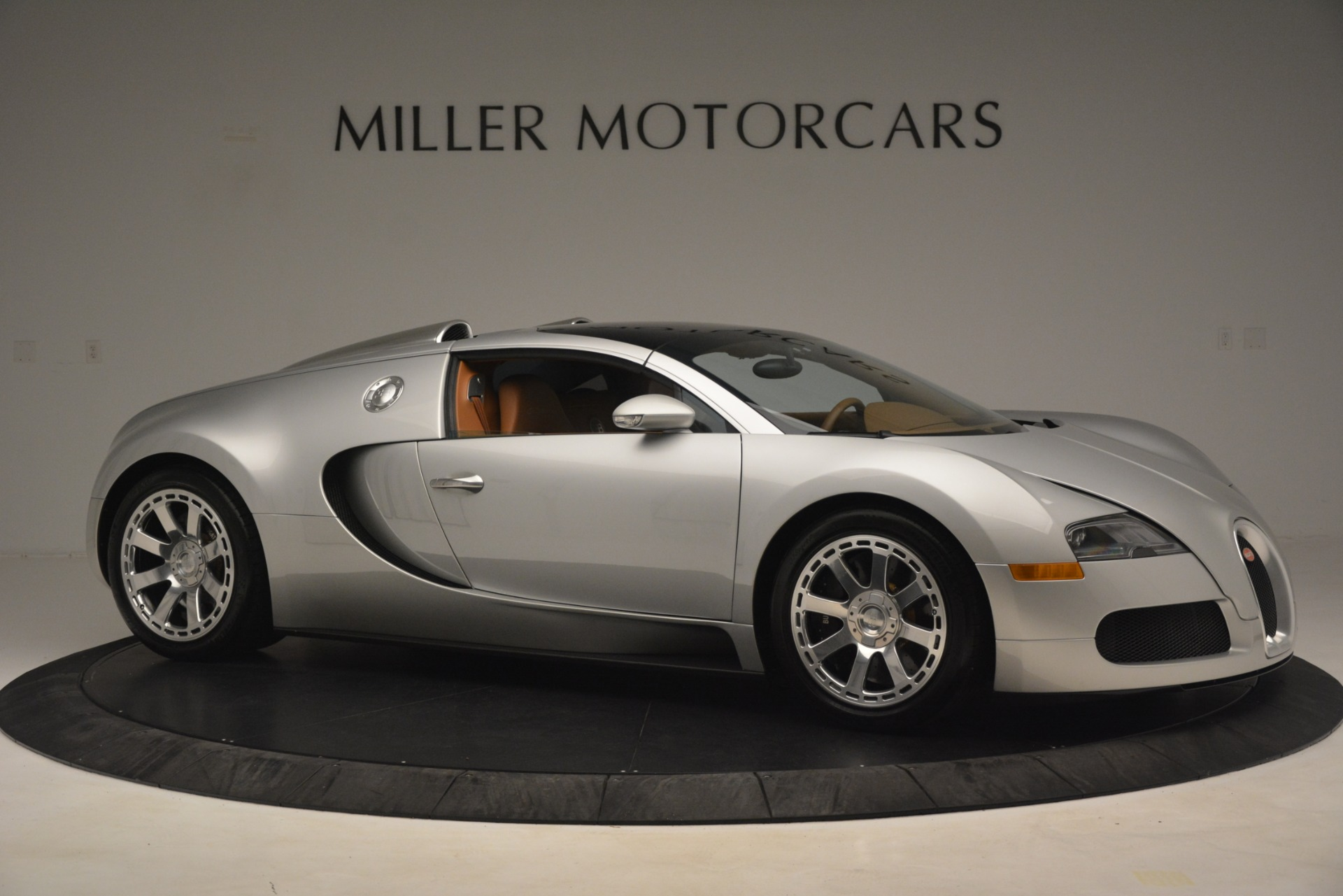 Used 2010 Bugatti Veyron 16.4 Grand Sport For Sale In Greenwich, CT. Alfa Romeo of Greenwich, G149 3159_p20