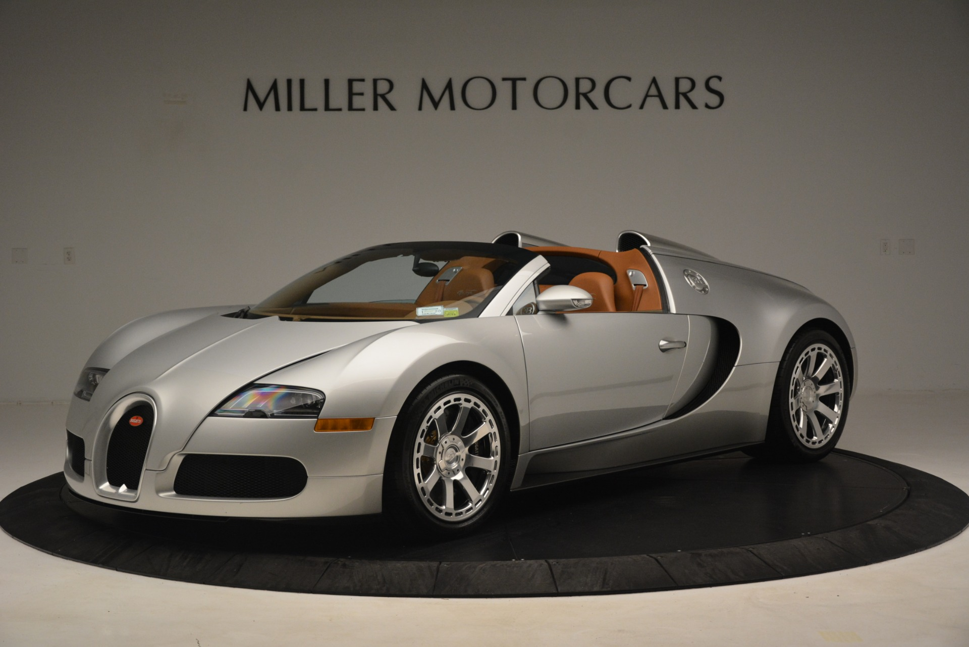 Used 2010 Bugatti Veyron 16.4 Grand Sport For Sale In Greenwich, CT. Alfa Romeo of Greenwich, G149 3159_p2