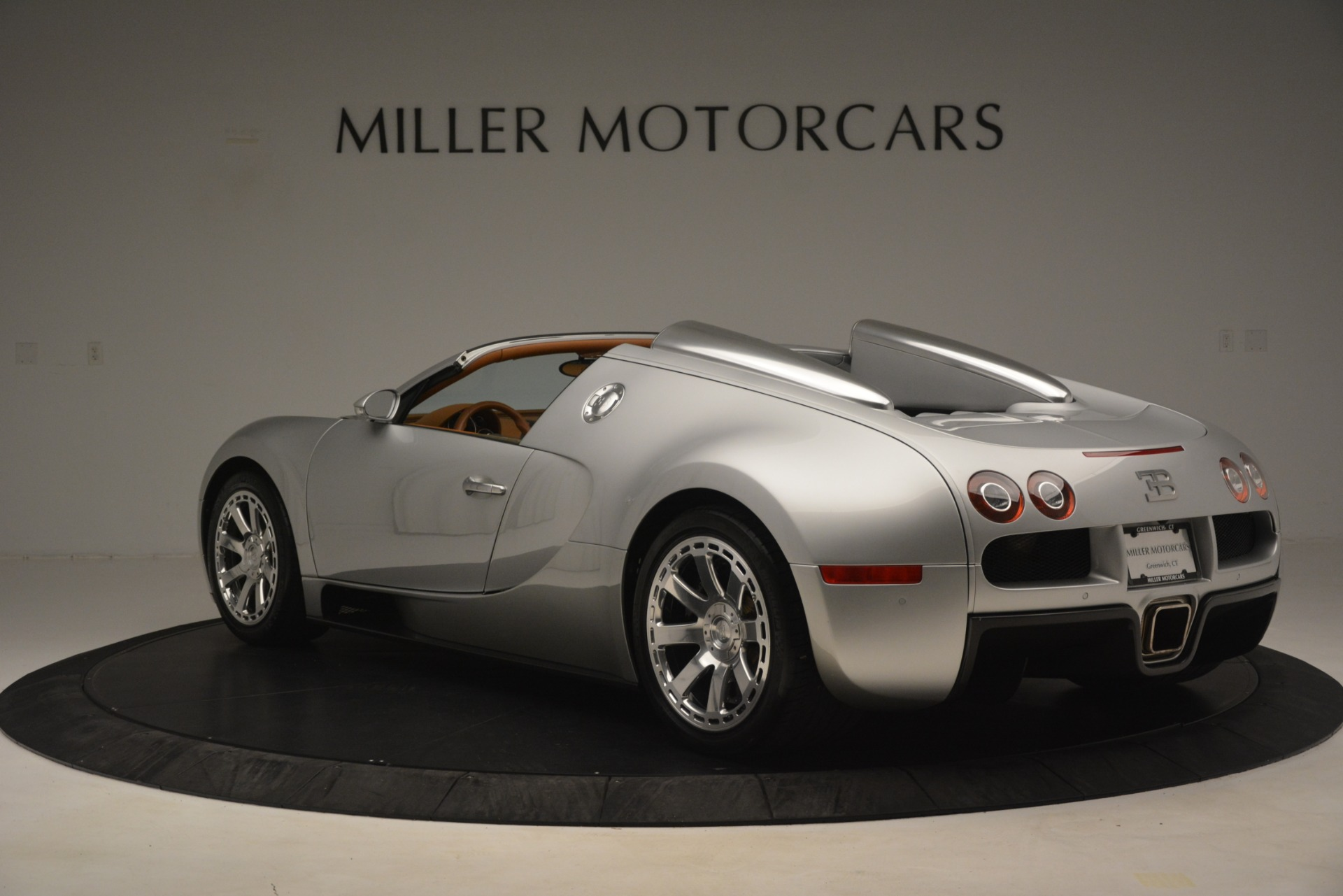 Used 2010 Bugatti Veyron 16.4 Grand Sport For Sale In Greenwich, CT. Alfa Romeo of Greenwich, G149 3159_p6