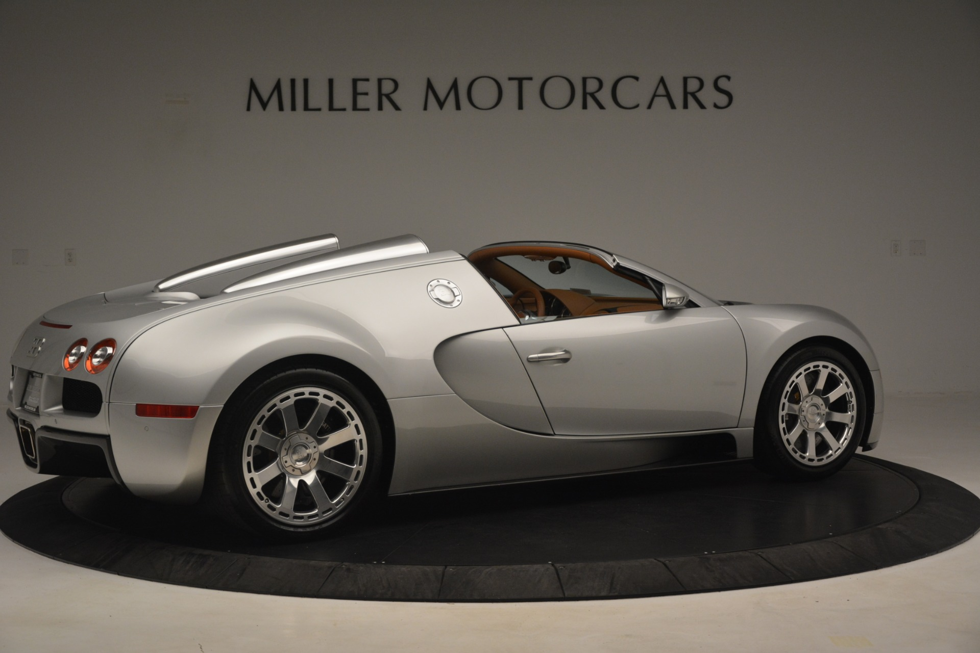 Used 2010 Bugatti Veyron 16.4 Grand Sport For Sale In Greenwich, CT. Alfa Romeo of Greenwich, G149 3159_p9
