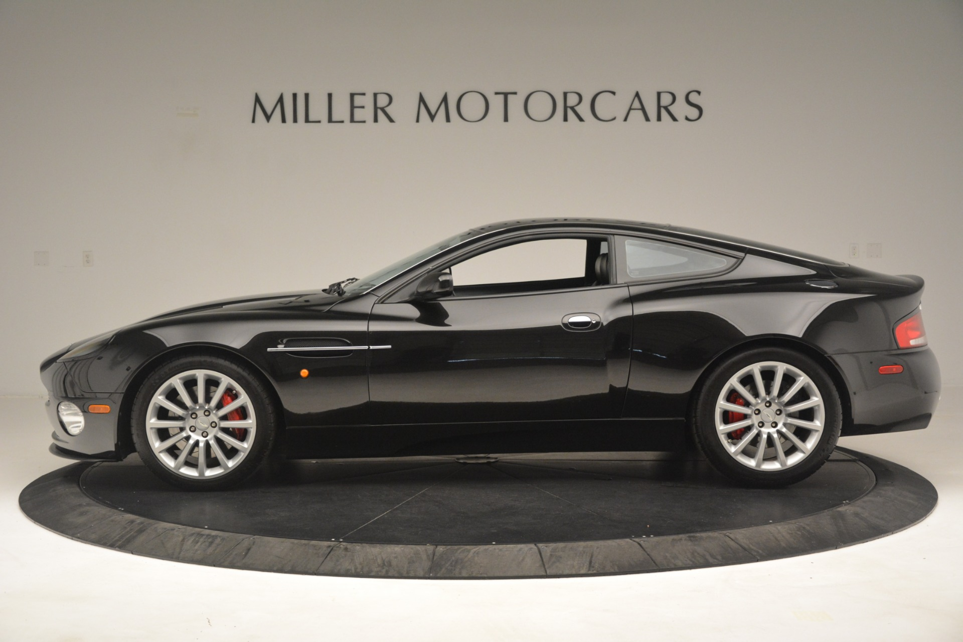 Used 2004 Aston Martin V12 Vanquish  For Sale In Greenwich, CT. Alfa Romeo of Greenwich, 7557C 3160_p4