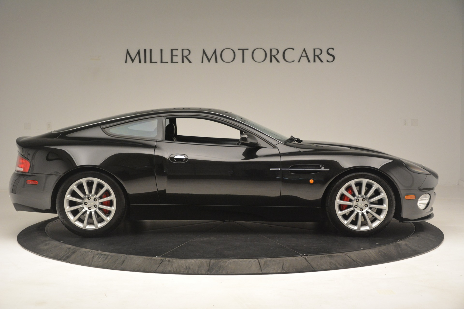 Used 2004 Aston Martin V12 Vanquish  For Sale In Greenwich, CT. Alfa Romeo of Greenwich, 7557C 3160_p7