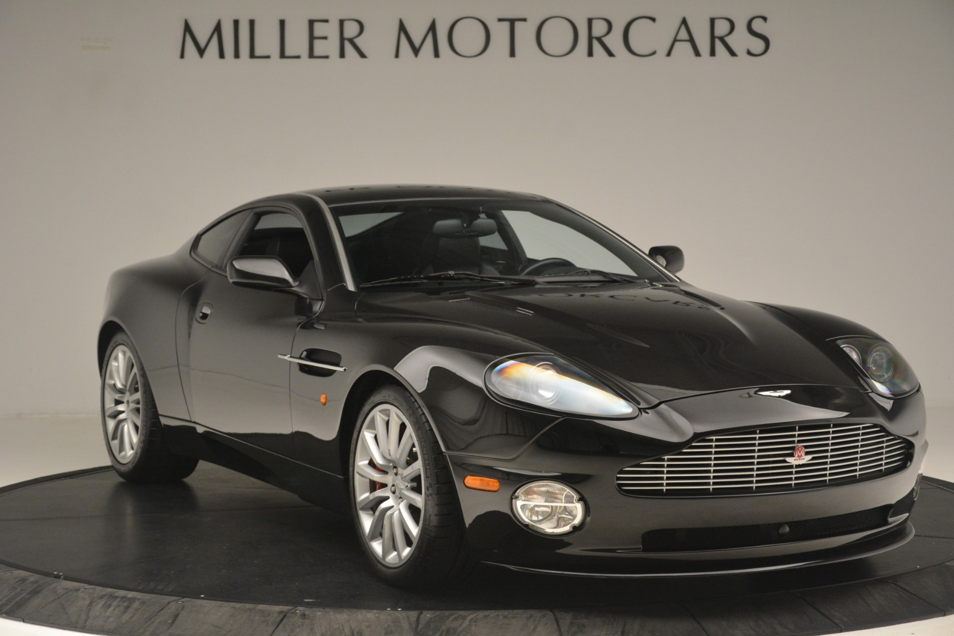 Used 2004 Aston Martin V12 Vanquish  For Sale In Greenwich, CT. Alfa Romeo of Greenwich, 7557C 3160_p9
