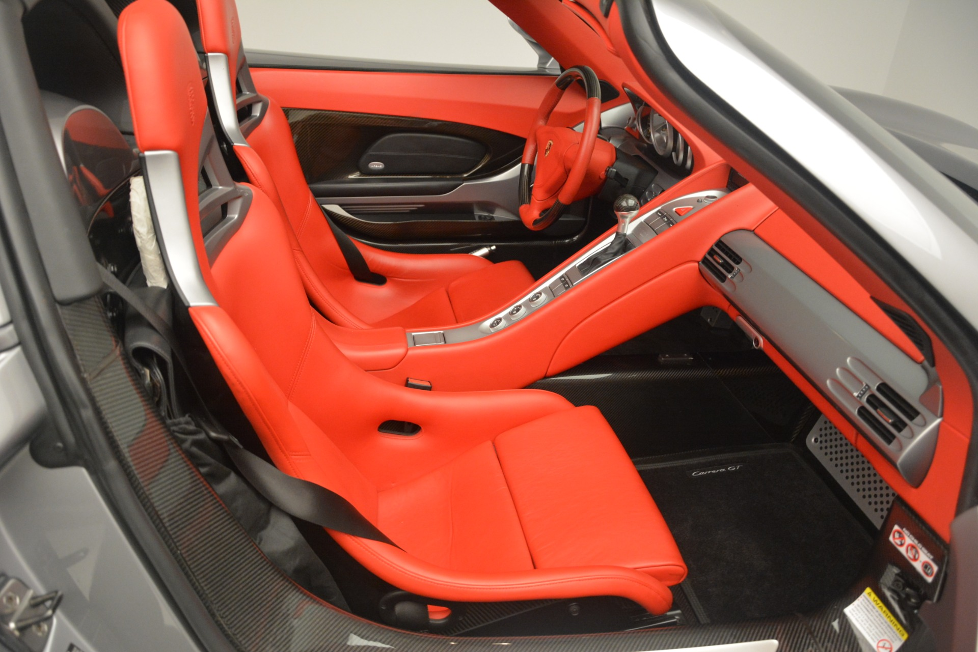 Used 2005 Porsche Carrera GT  For Sale In Greenwich, CT. Alfa Romeo of Greenwich, 7558C 3161_p31