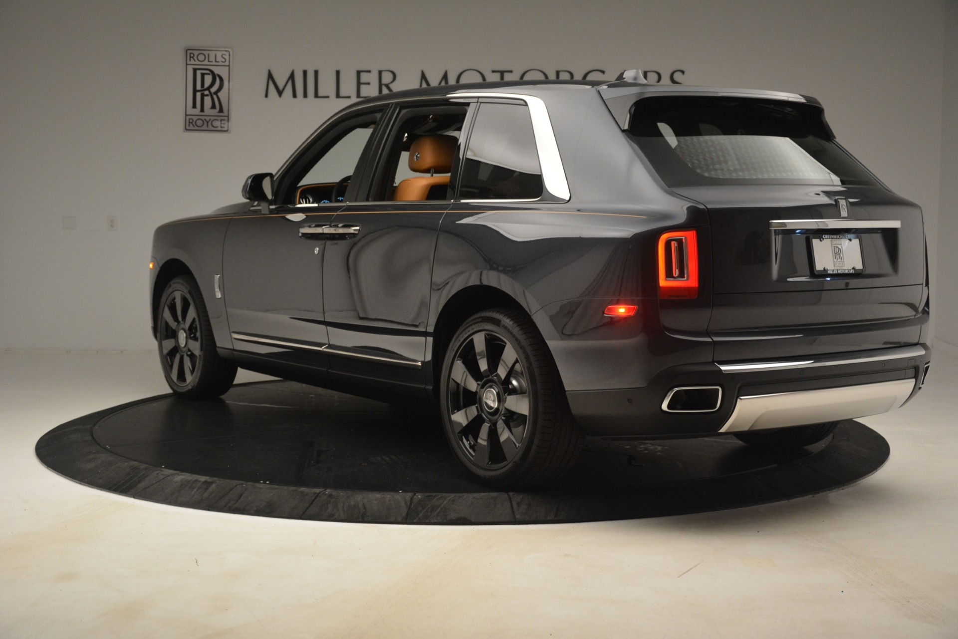 Used 2019 Rolls-Royce Cullinan  For Sale In Greenwich, CT. Alfa Romeo of Greenwich, R521 3162_p6