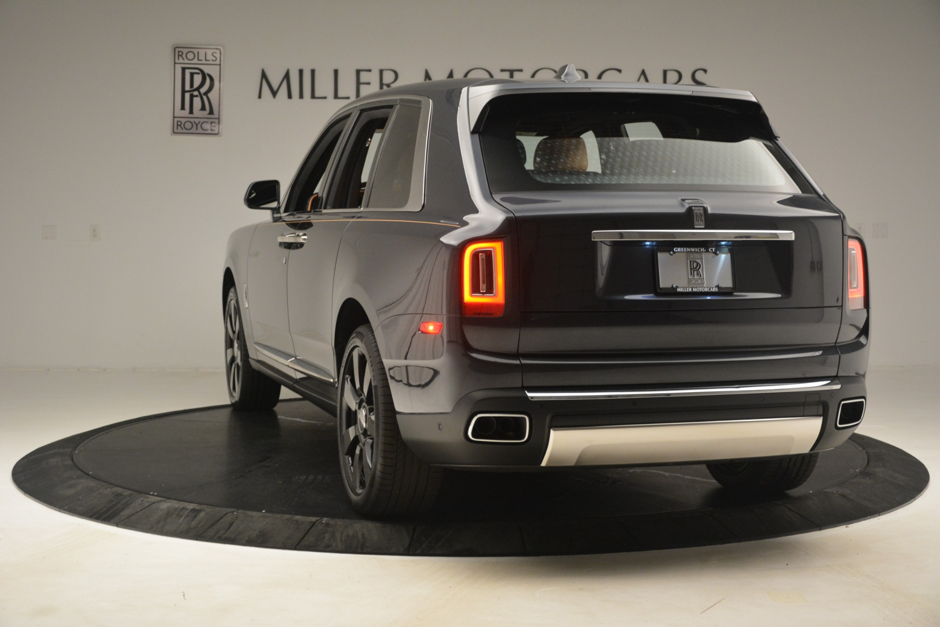 Used 2019 Rolls-Royce Cullinan  For Sale In Greenwich, CT. Alfa Romeo of Greenwich, R521 3162_p7