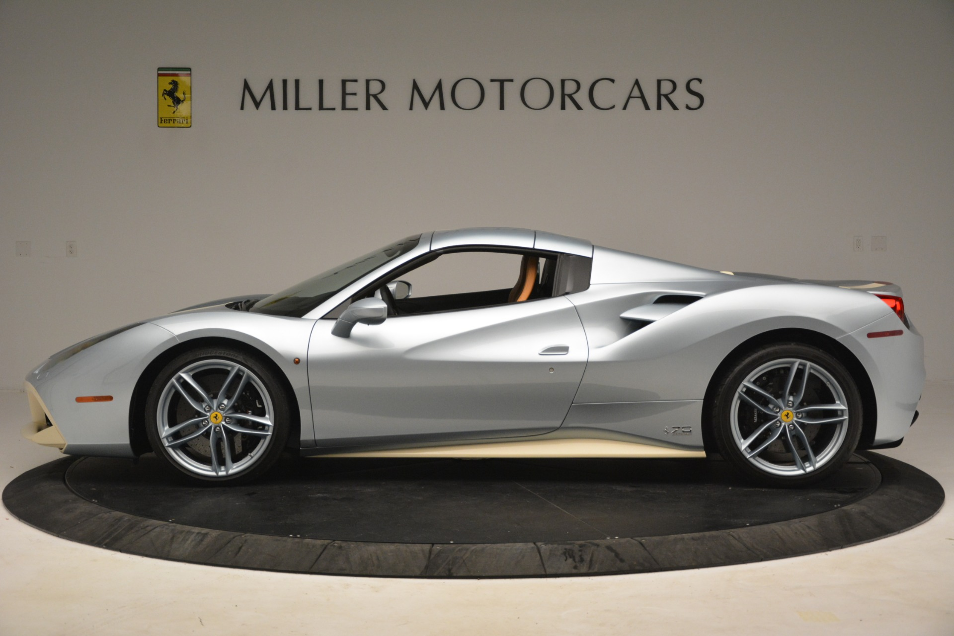 Used 2018 Ferrari 488 Spider  For Sale In Greenwich, CT. Alfa Romeo of Greenwich, 4562 3168_p14