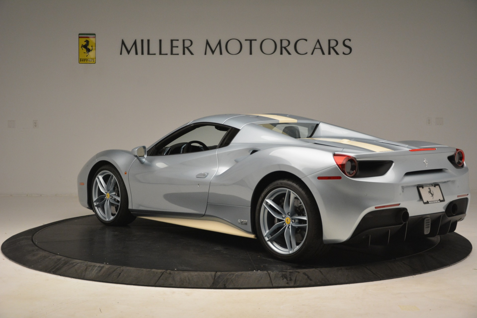 Used 2018 Ferrari 488 Spider  For Sale In Greenwich, CT. Alfa Romeo of Greenwich, 4562 3168_p15