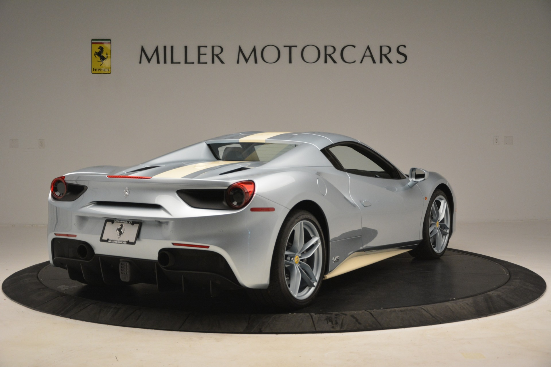 Used 2018 Ferrari 488 Spider  For Sale In Greenwich, CT. Alfa Romeo of Greenwich, 4562 3168_p16