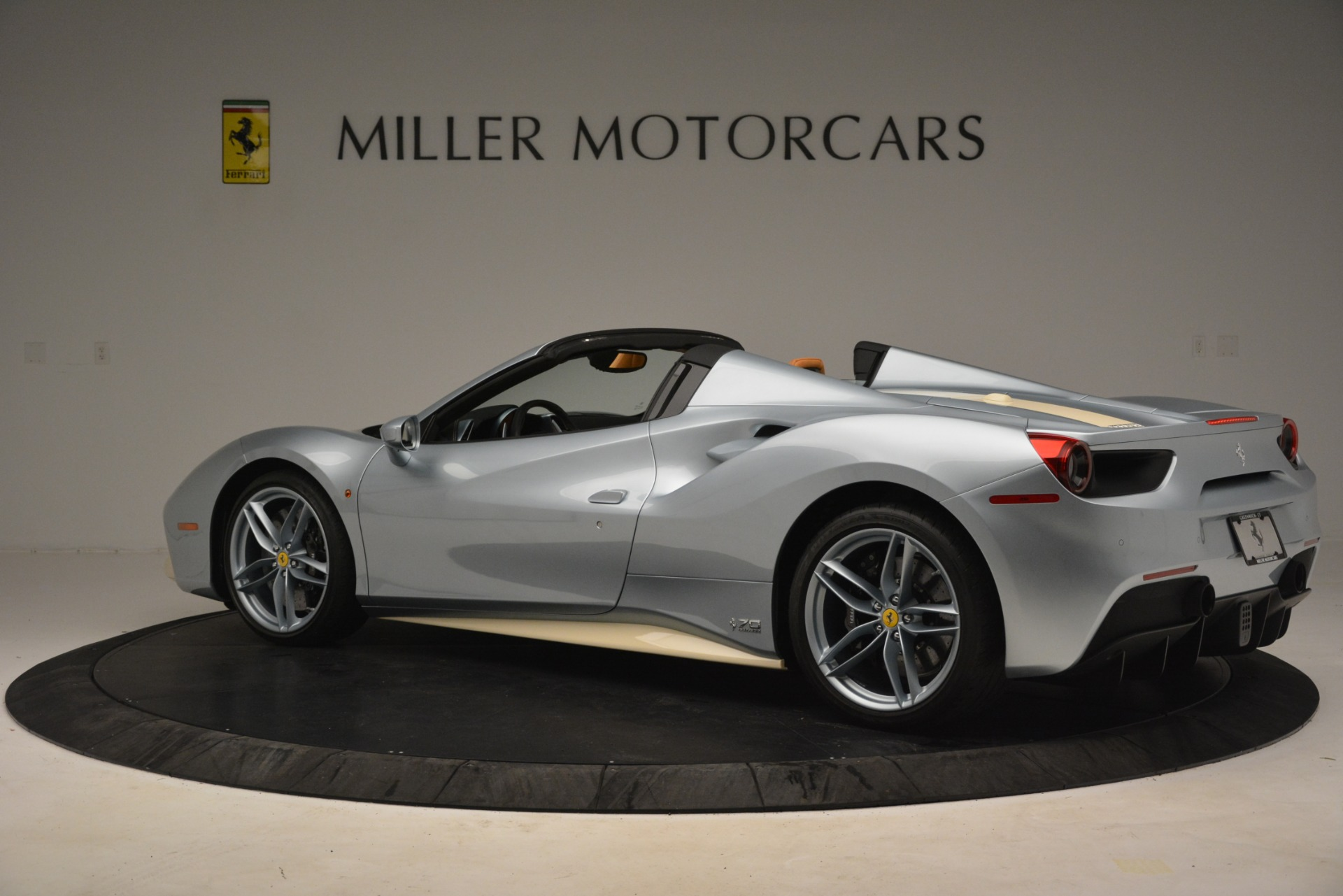 Used 2018 Ferrari 488 Spider  For Sale In Greenwich, CT. Alfa Romeo of Greenwich, 4562 3168_p4