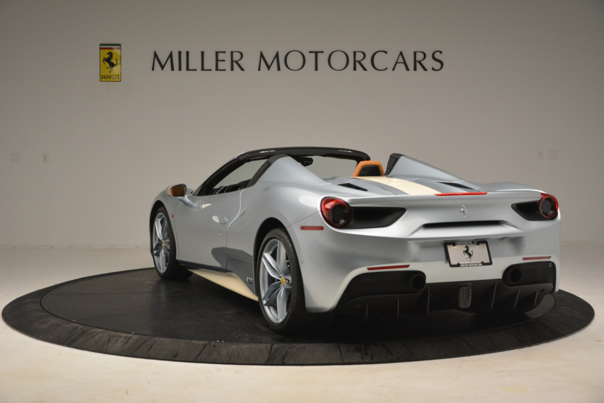 Used 2018 Ferrari 488 Spider  For Sale In Greenwich, CT. Alfa Romeo of Greenwich, 4562 3168_p5