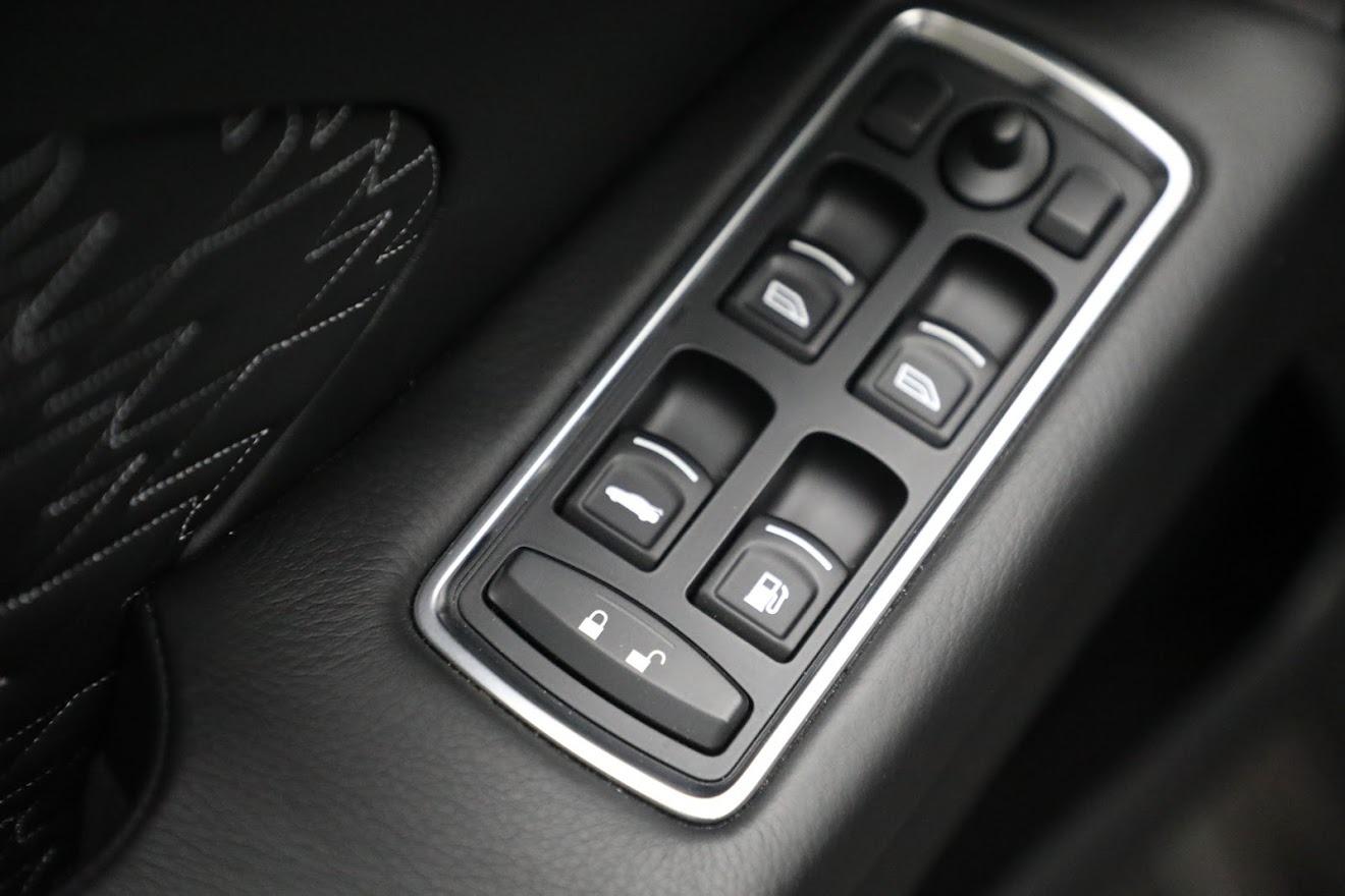 New 2019 Aston Martin Vanquish Zagato Shooting Brake For Sale In Greenwich, CT. Alfa Romeo of Greenwich, 7548C 3170_p19