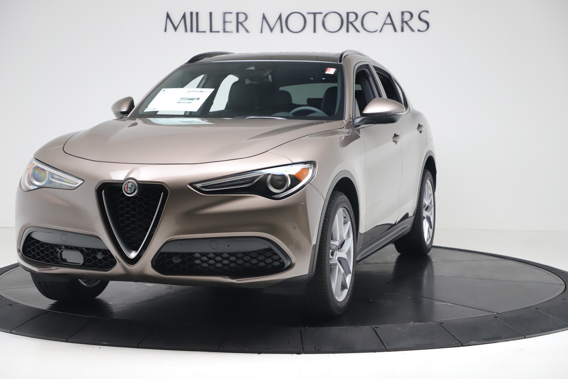 New 2019 Alfa Romeo Stelvio Ti Sport Q4 For Sale In Greenwich, CT. Alfa Romeo of Greenwich, LW331 3175_main