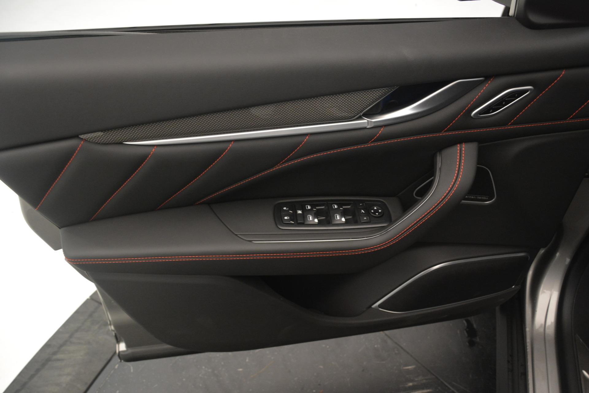 New 2019 Maserati Levante SQ4 GranSport Nerissimo For Sale In Greenwich, CT. Alfa Romeo of Greenwich, M2306 3177_p17
