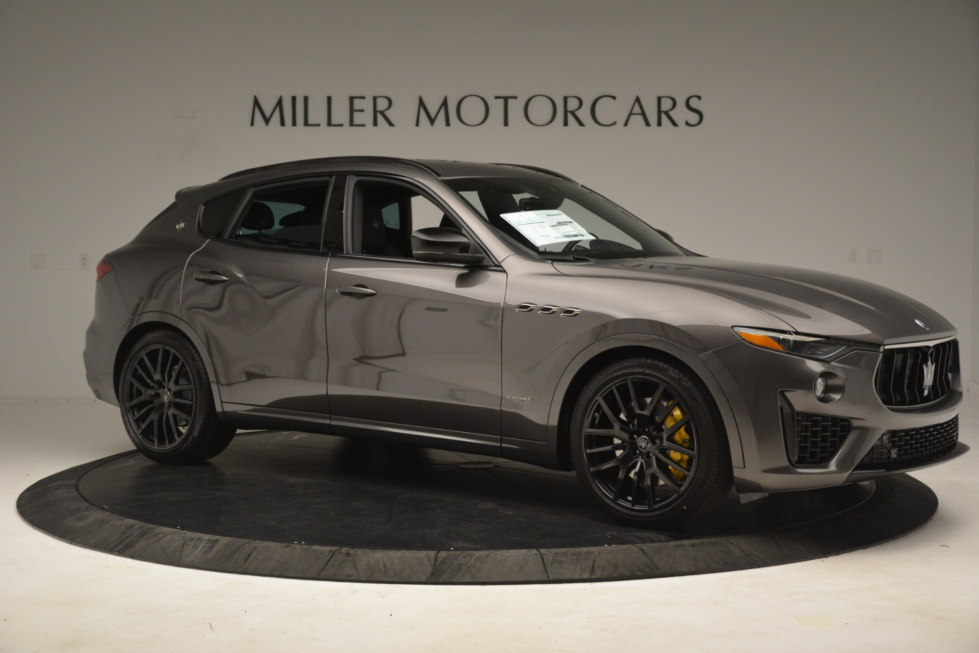 New 2019 Maserati Levante SQ4 GranSport Nerissimo For Sale In Greenwich, CT. Alfa Romeo of Greenwich, M2307 3178_p10