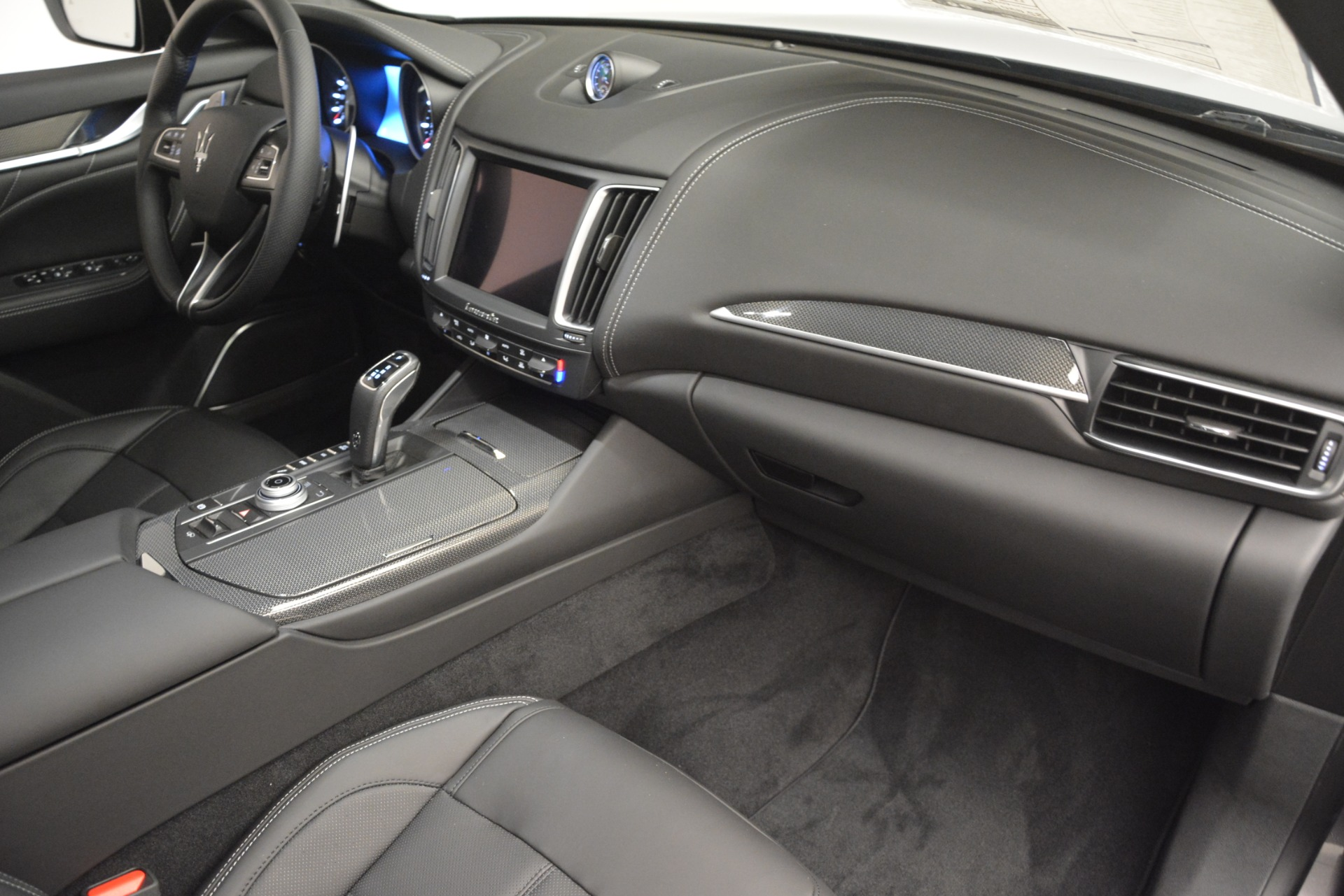 New 2019 Maserati Levante SQ4 GranSport Nerissimo For Sale In Greenwich, CT. Alfa Romeo of Greenwich, M2307 3178_p22