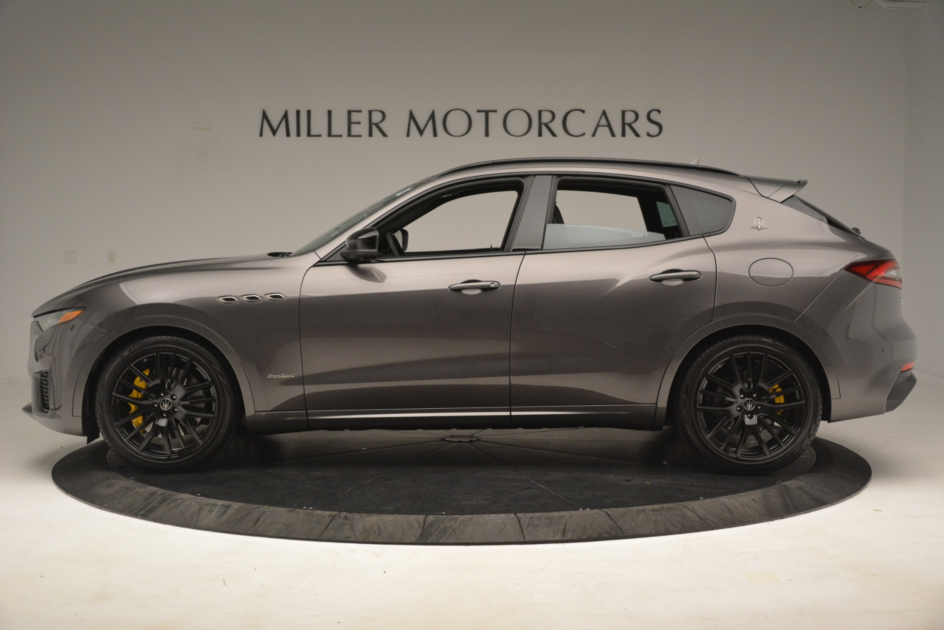 New 2019 Maserati Levante SQ4 GranSport Nerissimo For Sale In Greenwich, CT. Alfa Romeo of Greenwich, M2307 3178_p3