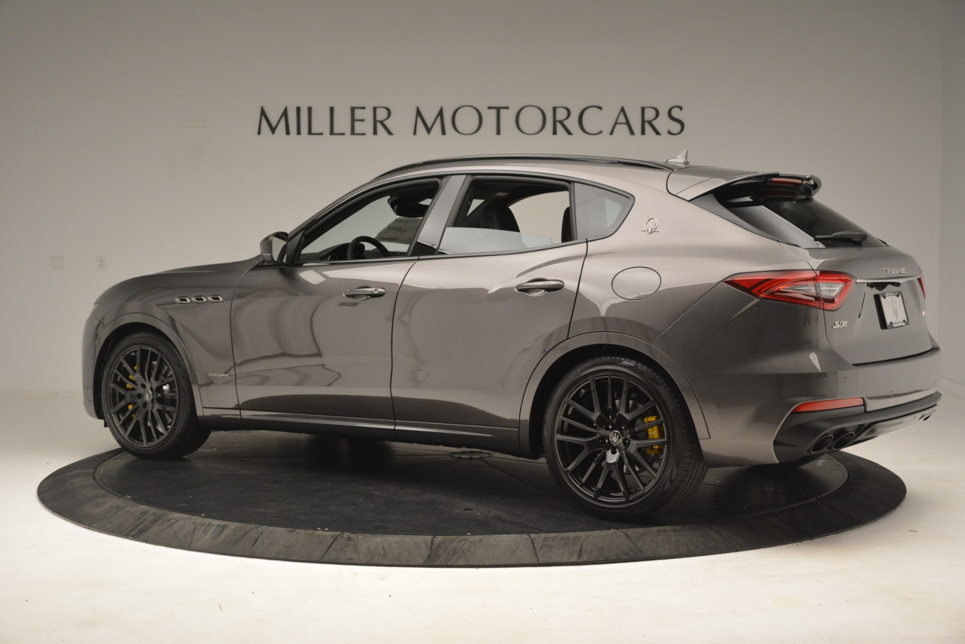 New 2019 Maserati Levante SQ4 GranSport Nerissimo For Sale In Greenwich, CT. Alfa Romeo of Greenwich, M2307 3178_p4