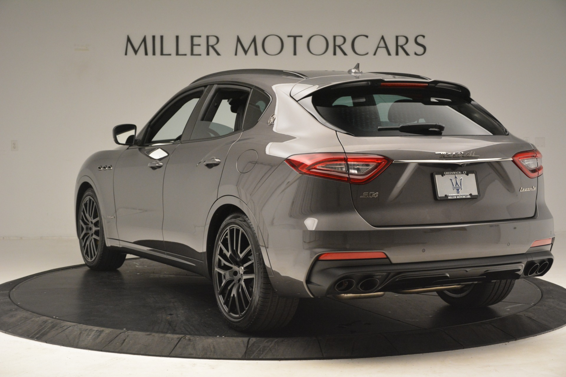 New 2019 Maserati Levante SQ4 GranSport Nerissimo For Sale In Greenwich, CT. Alfa Romeo of Greenwich, M2307 3178_p5