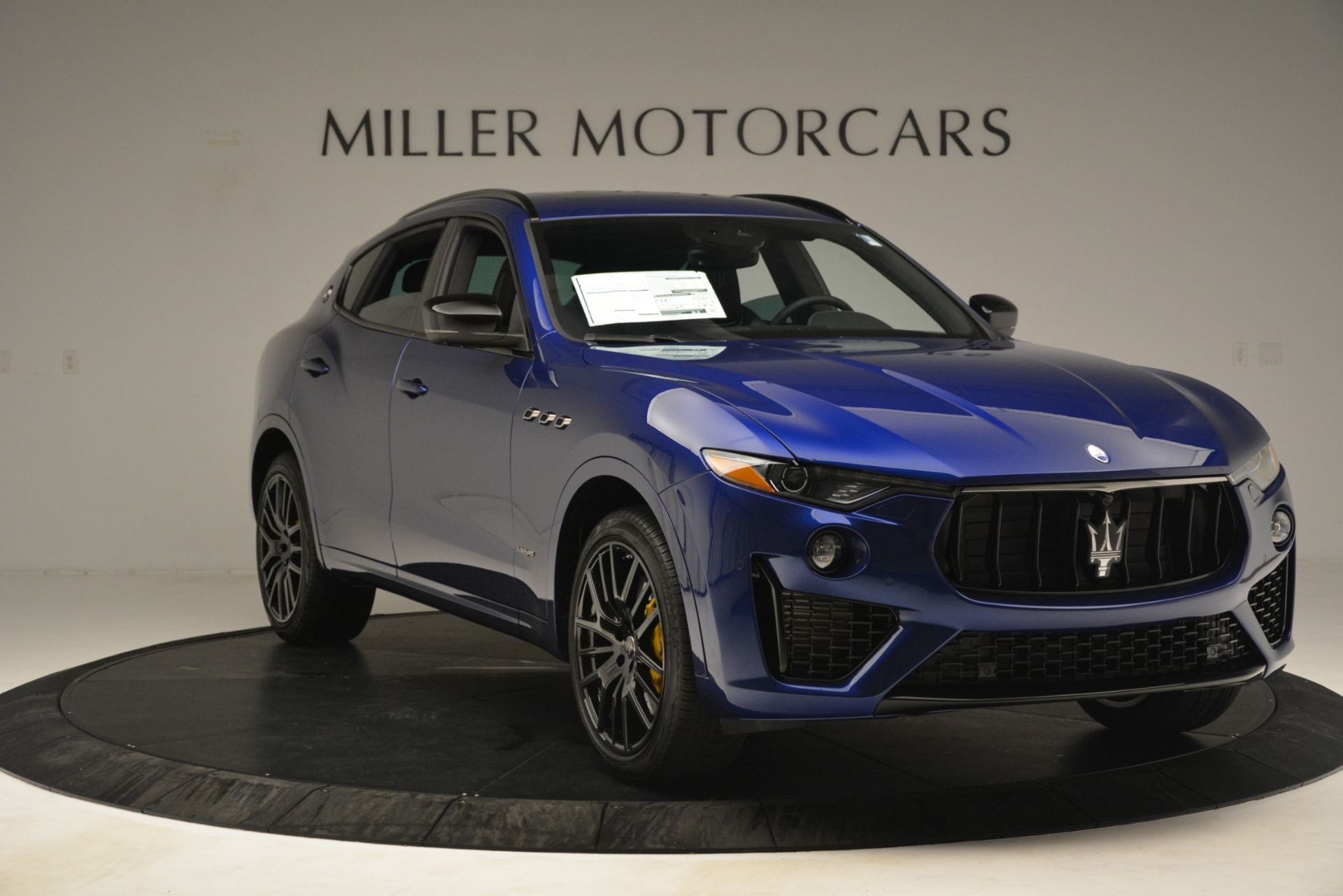 New 2019 Maserati Levante SQ4 GranSport Nerissimo For Sale In Greenwich, CT. Alfa Romeo of Greenwich, M2308 3179_p11