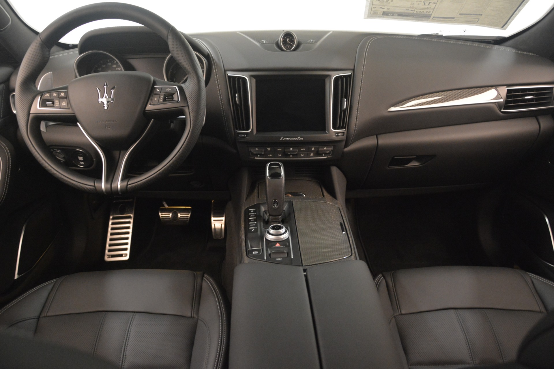New 2019 Maserati Levante SQ4 GranSport Nerissimo For Sale In Greenwich, CT. Alfa Romeo of Greenwich, M2308 3179_p16